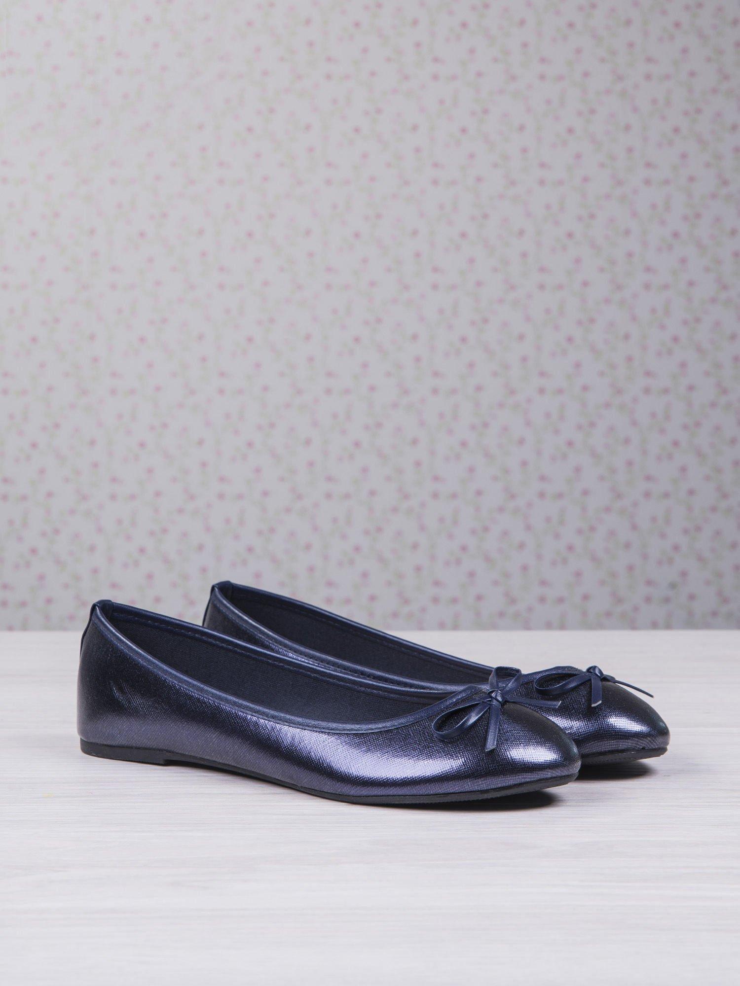 Granatowe baleriny faux leather classic z kokardką                                  zdj.                                  2