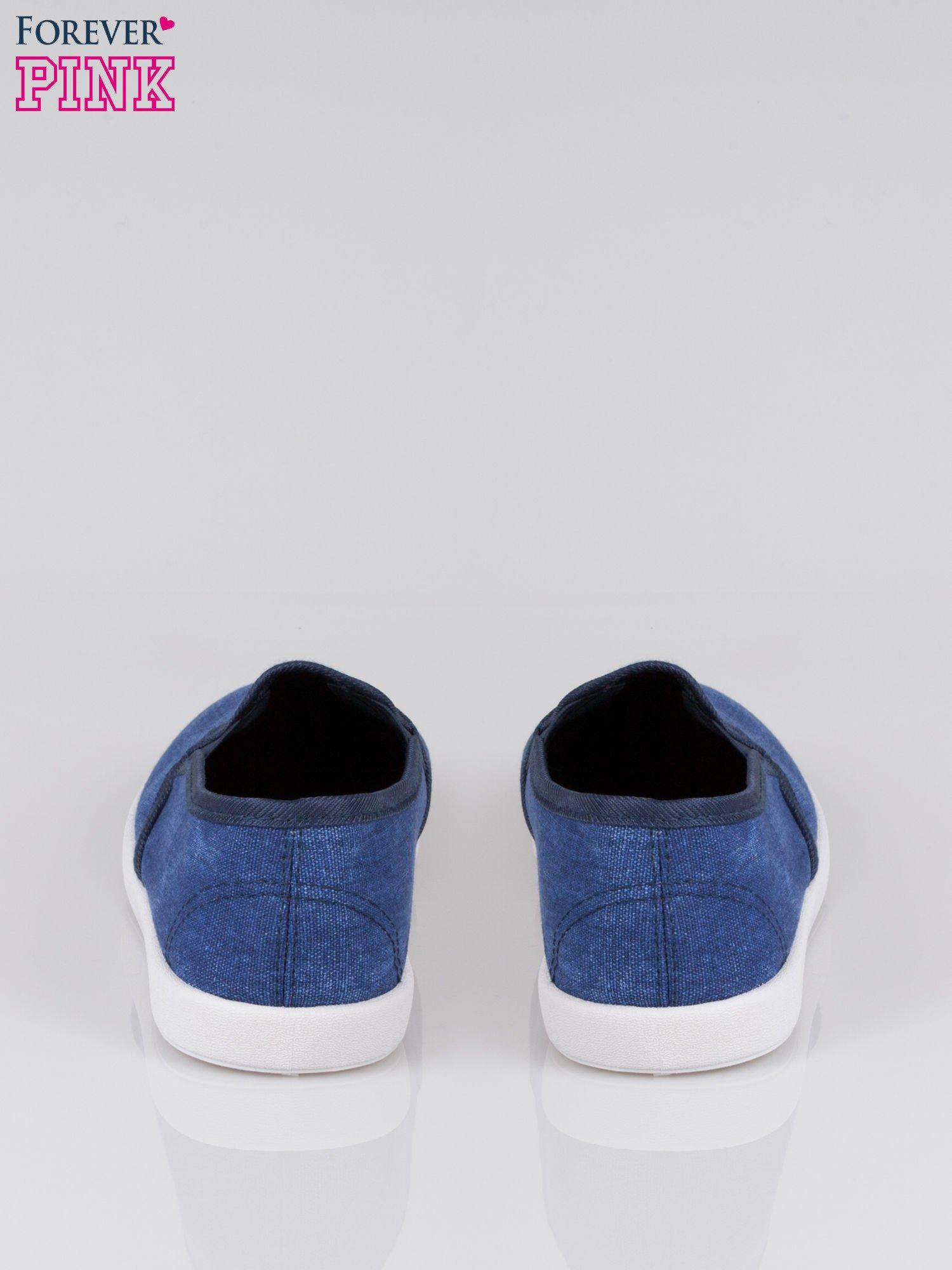 Granatowe jeansowe buty slip on                                  zdj.                                  3