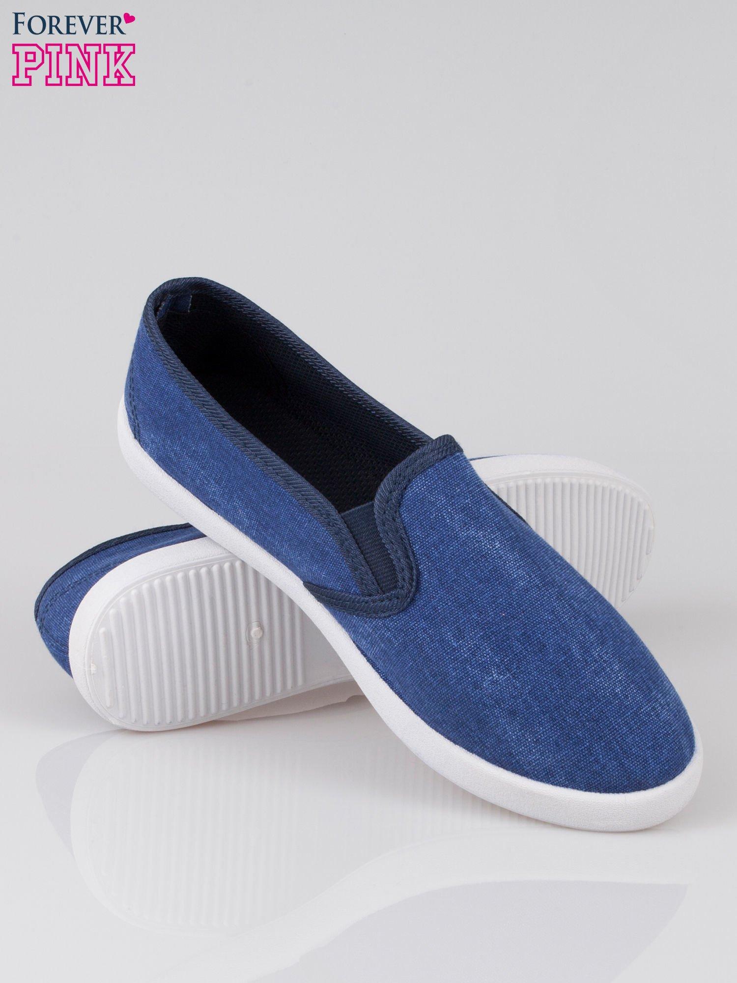 Granatowe jeansowe buty slip on                                  zdj.                                  4