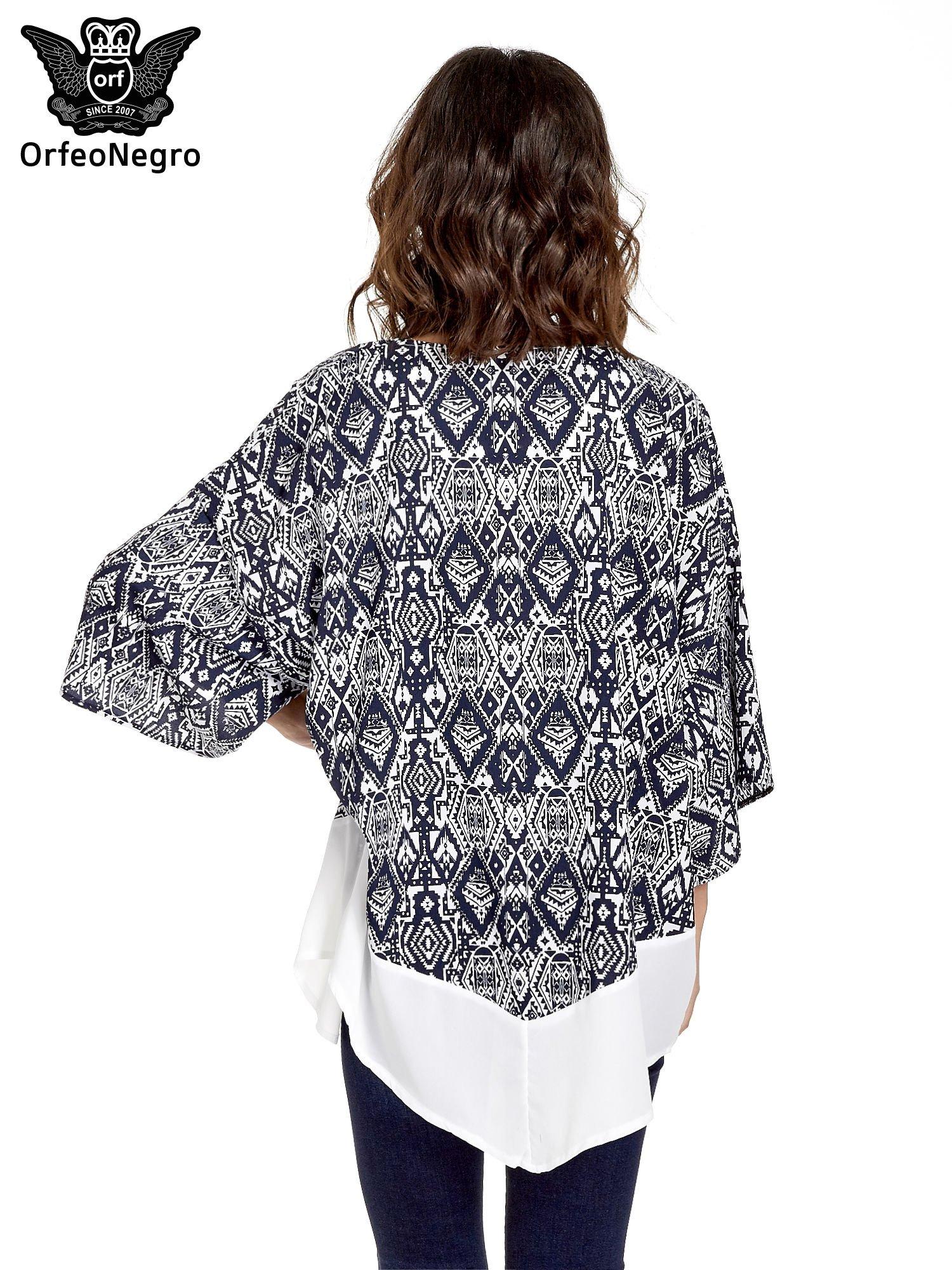 Granatowe kimono w etniczne wzory z modułem na dole                                  zdj.                                  4