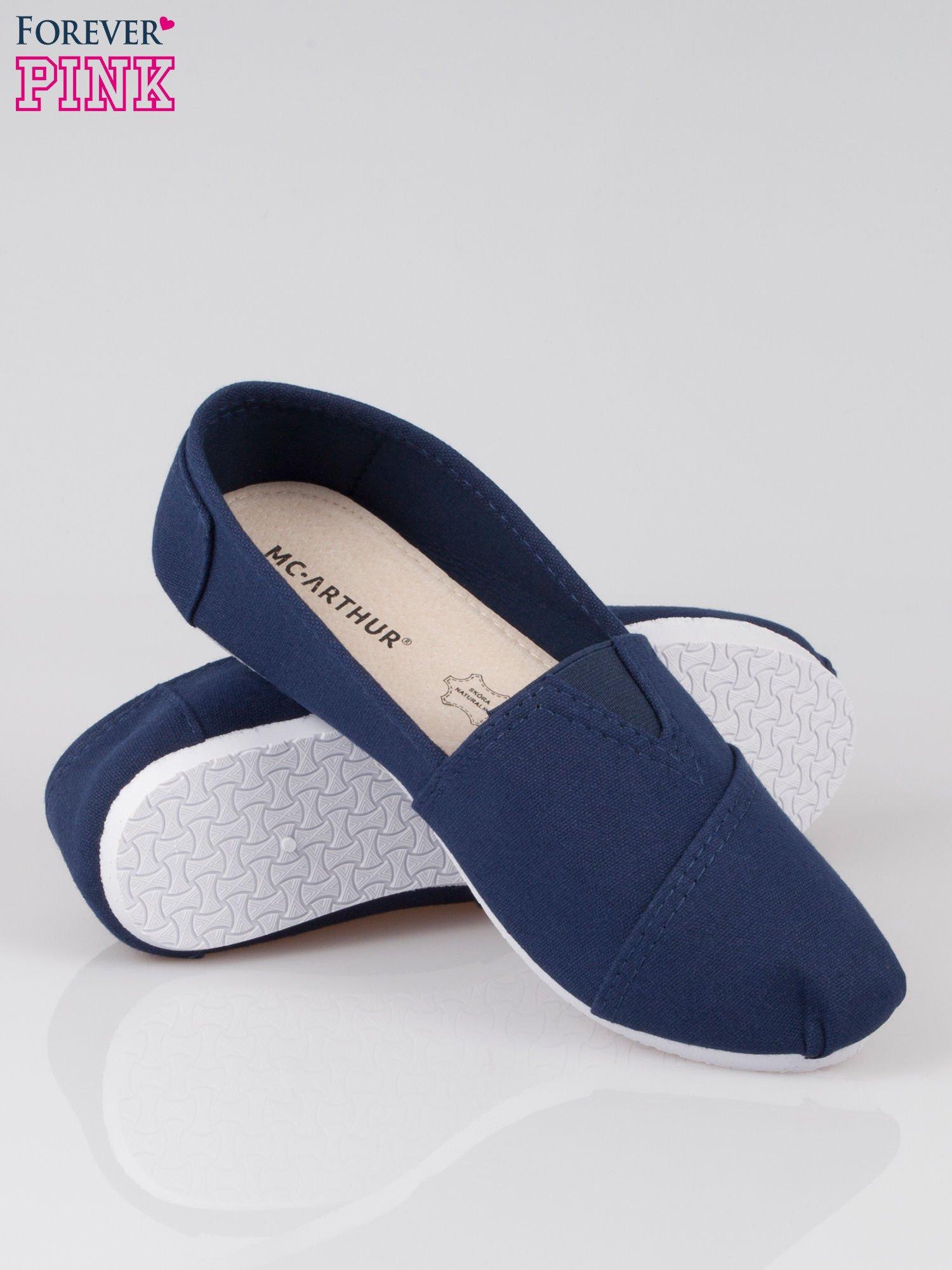 Granatowe lekkie buty slip on                                  zdj.                                  4