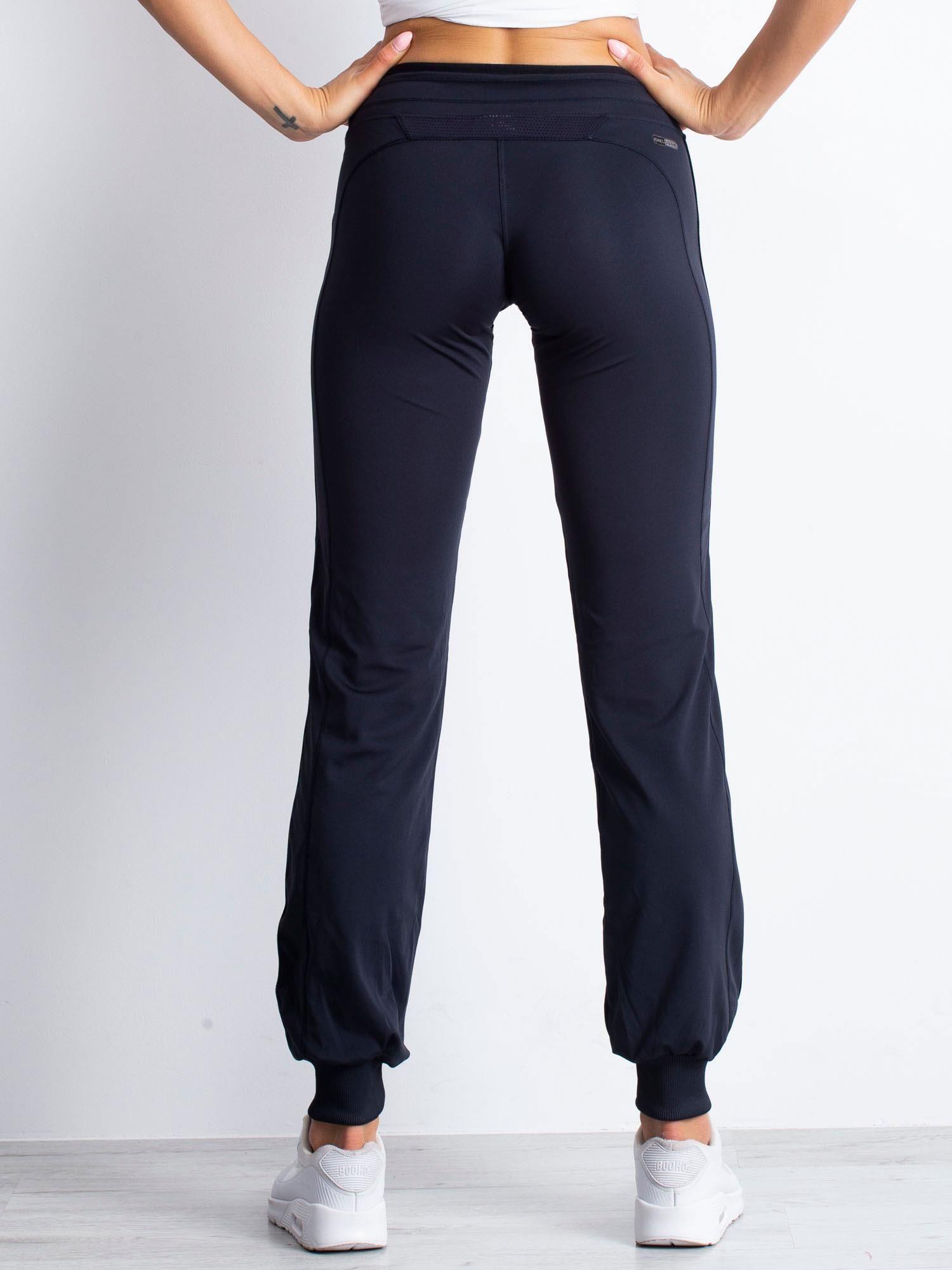 Granatowe spodnie dresowe ze ściągaczem