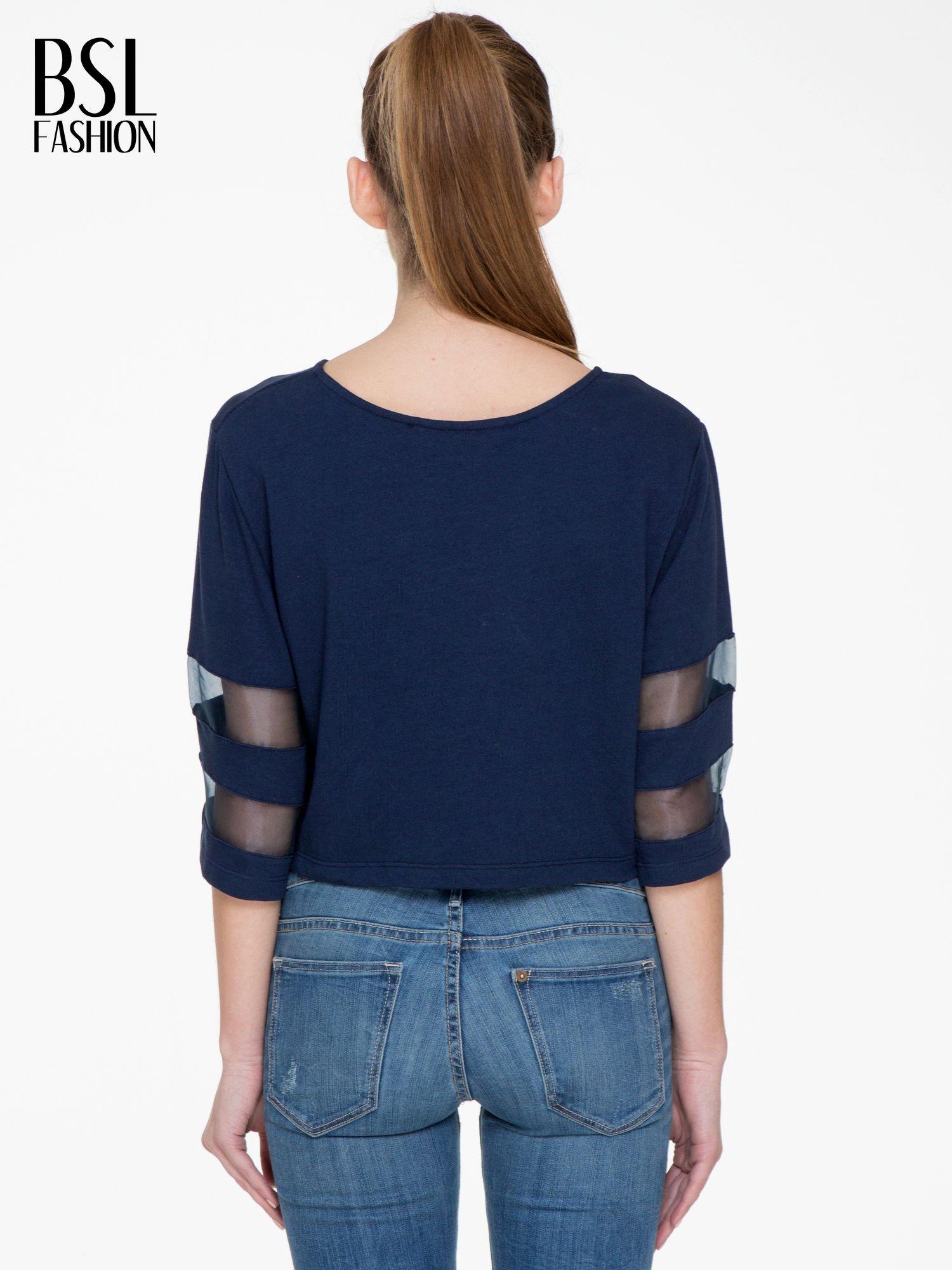 Granatowy cropped t-shirt z transparentnymi rękawami                                  zdj.                                  4