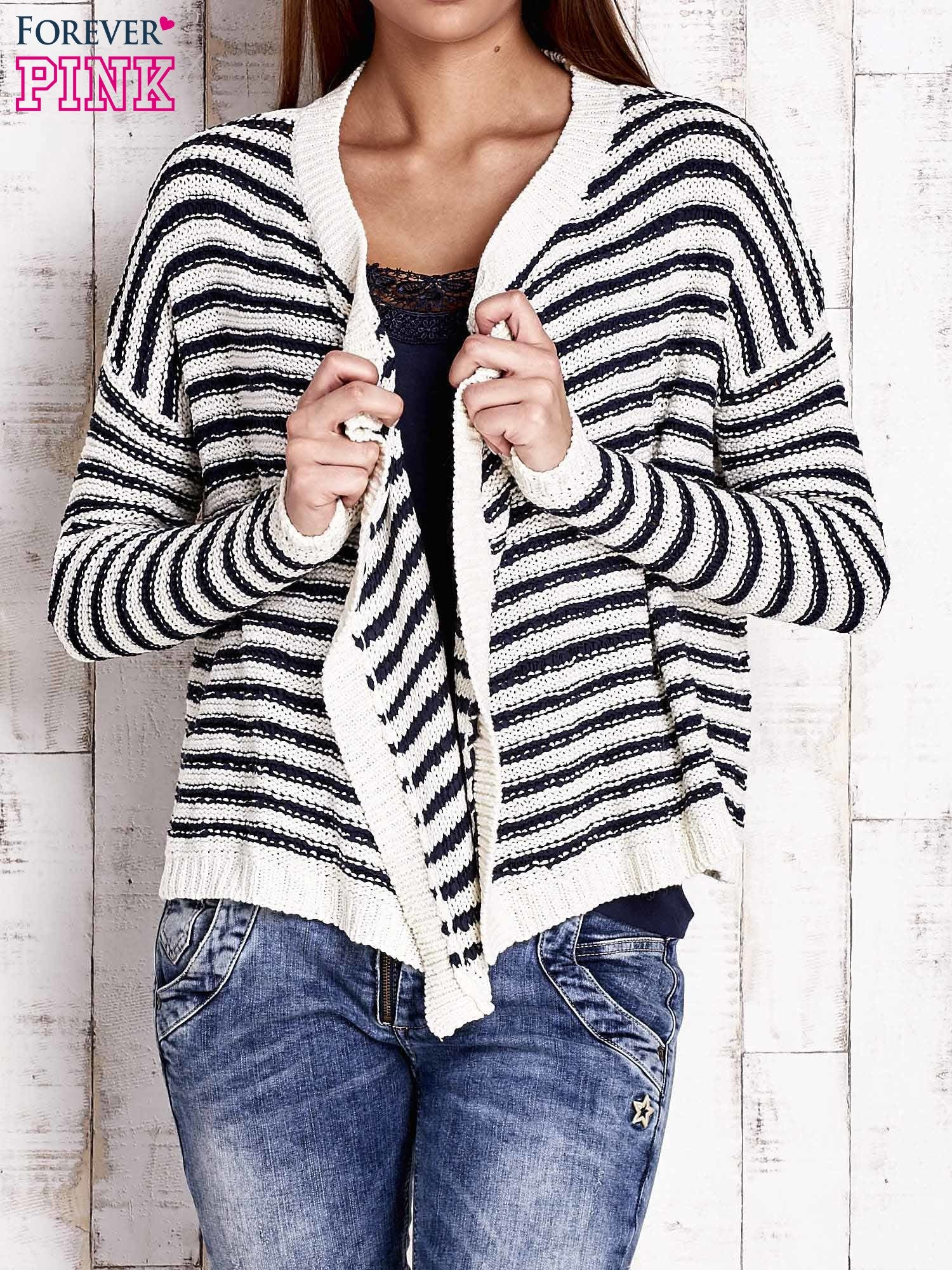 Granatowy otwarty sweter w paski                                  zdj.                                  1