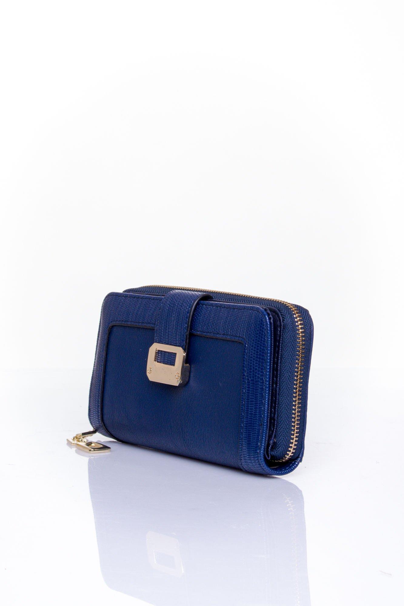 Granatowy portfel ze złotą klamerką                                  zdj.                                  3
