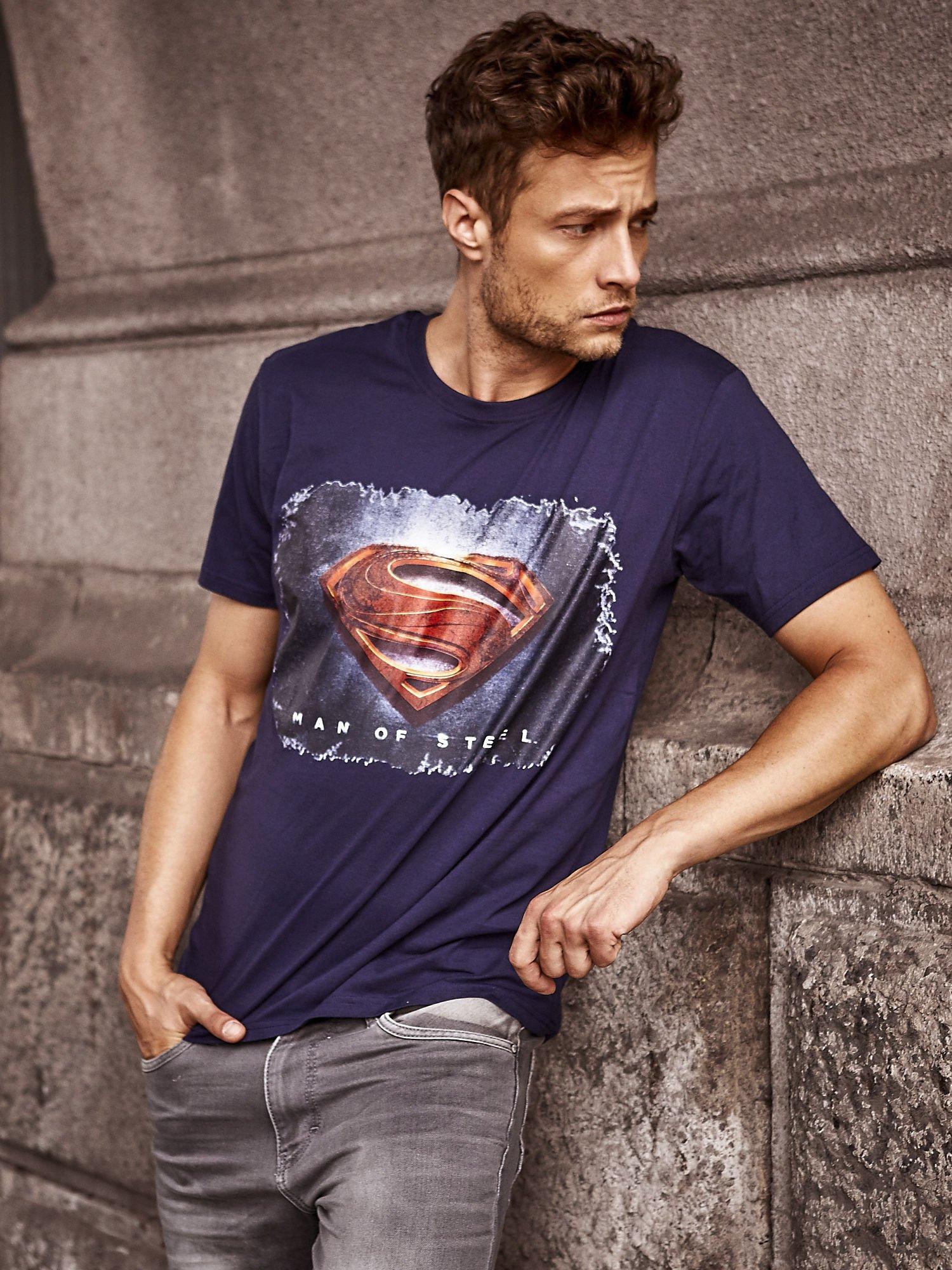 Granatowy t-shirt męski MAN OF STEEL                                  zdj.                                  1