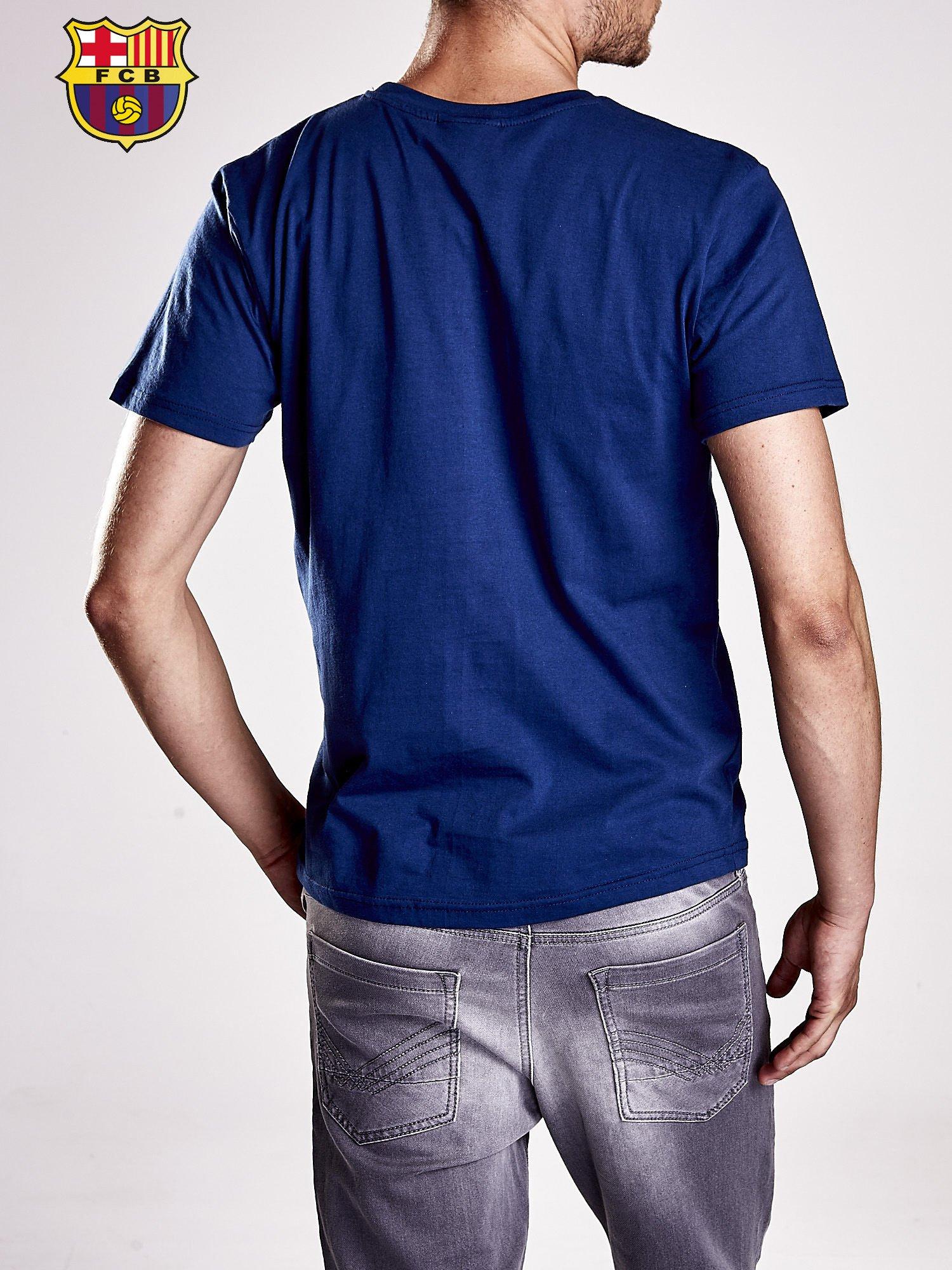 Granatowy t-shirt męski z nadrukiem FC BARCELONA                                  zdj.                                  2
