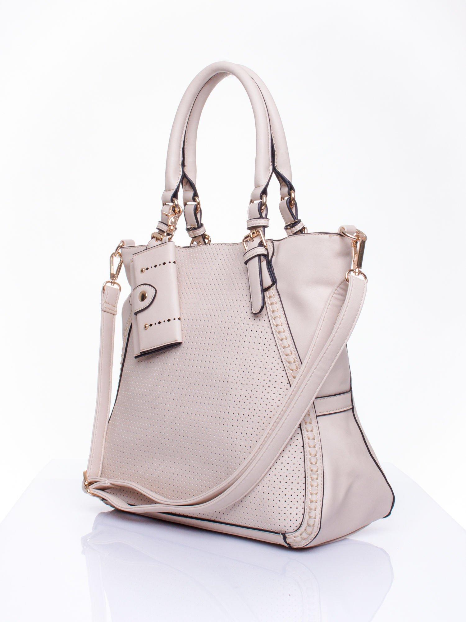 Jasnobeżowa dziurkowana torba shopper z portfelem                                  zdj.                                  3
