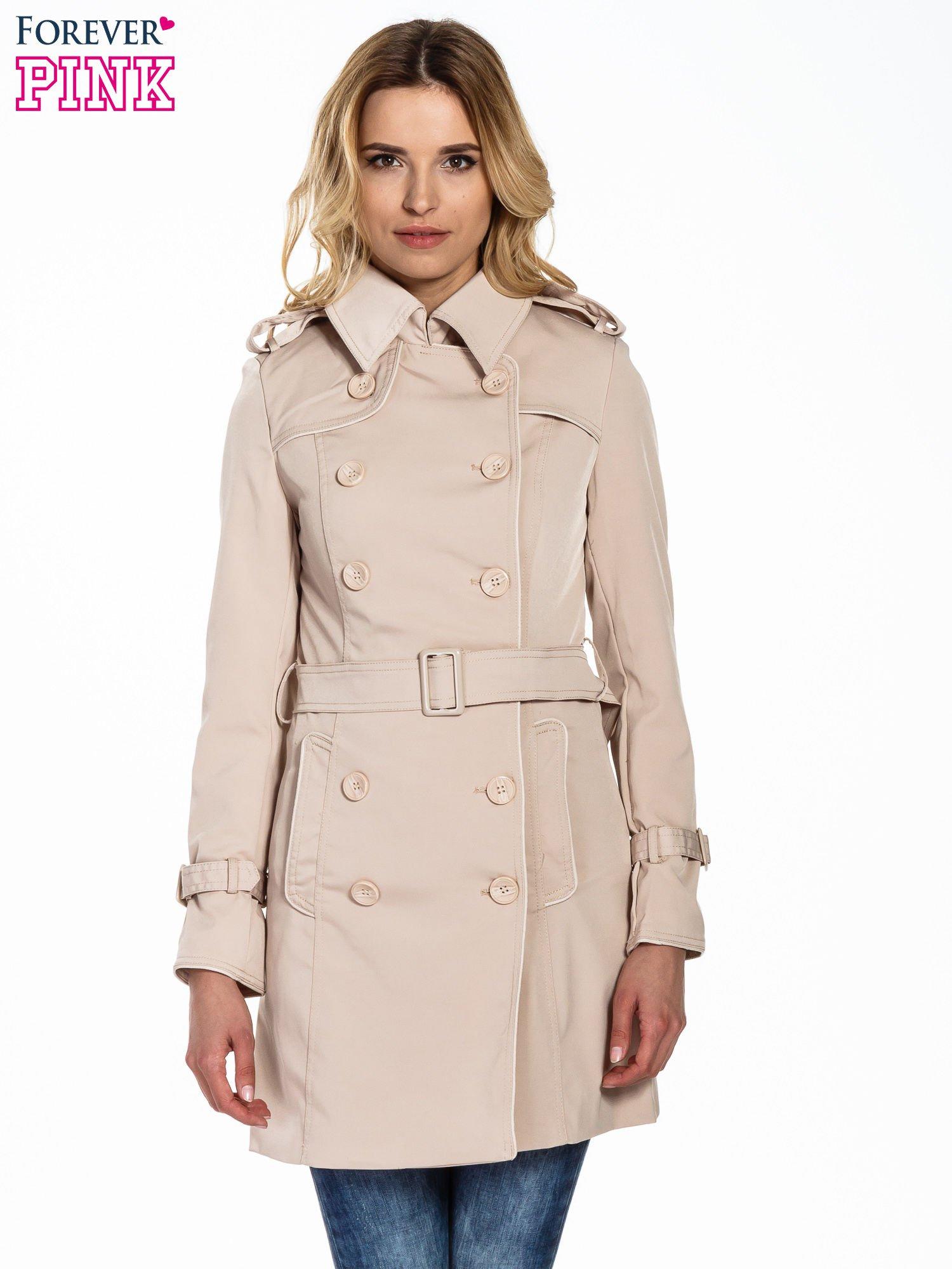Jasnobeżowy klasyczny płaszcz trencz ze skórzanym obszyciem                                  zdj.                                  1