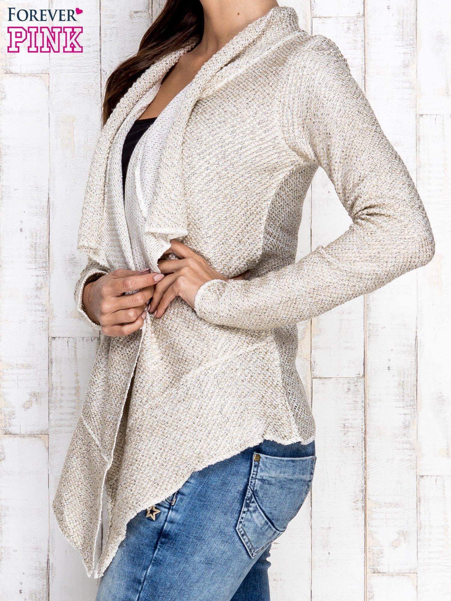 Jasnobeżowy otwarty sweter z drapowanym kołnierzem                                  zdj.                                  3