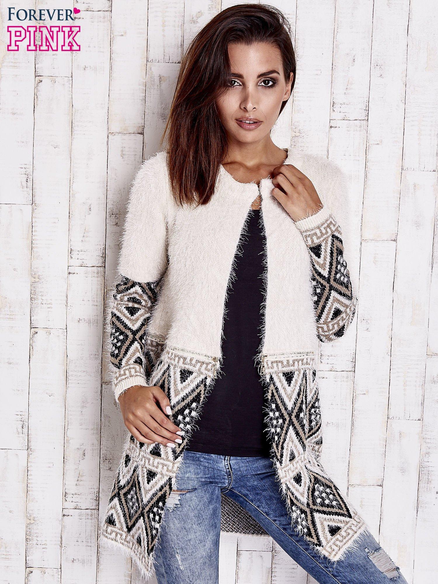 Jasnobeżowy sweter z geometrycznym wzorem i suwakami                                  zdj.                                  1