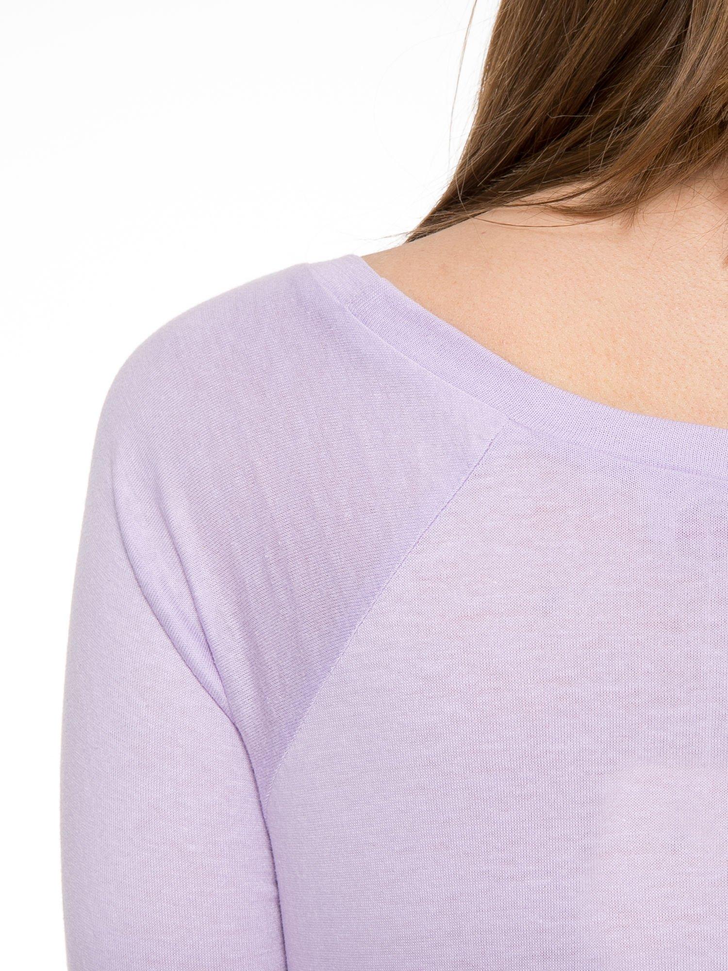 Jasnofioletowa bawełniana bluzka z rękawami typu reglan                                  zdj.                                  7