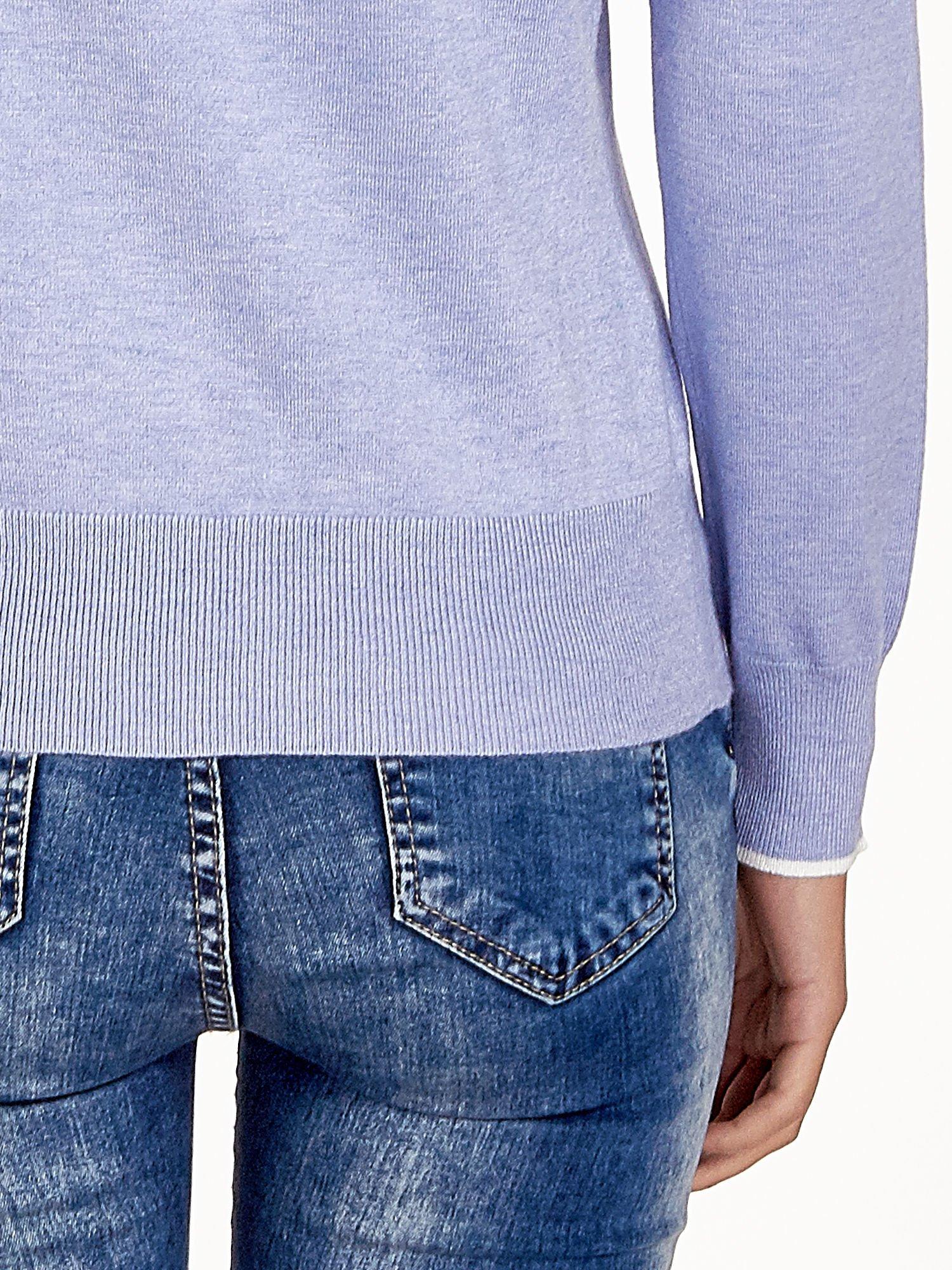 Jasnofioletowy sweterek z kokardką przy dekolcie                                  zdj.                                  6