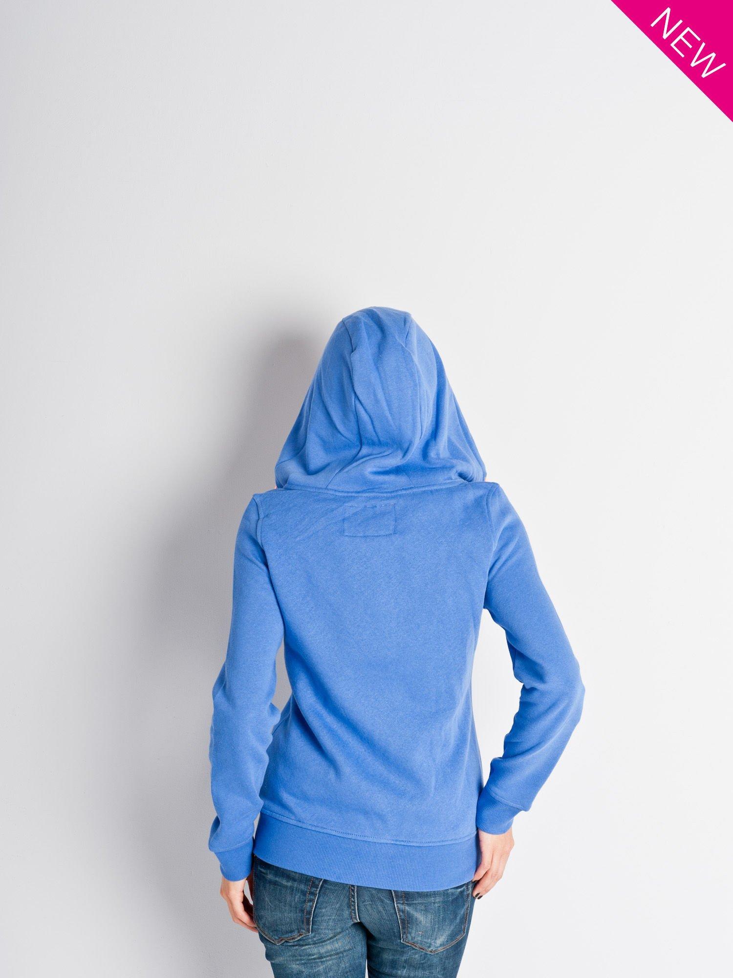 Jasnoniebieska dresowa bluza sportowa z kapturem                                  zdj.                                  3