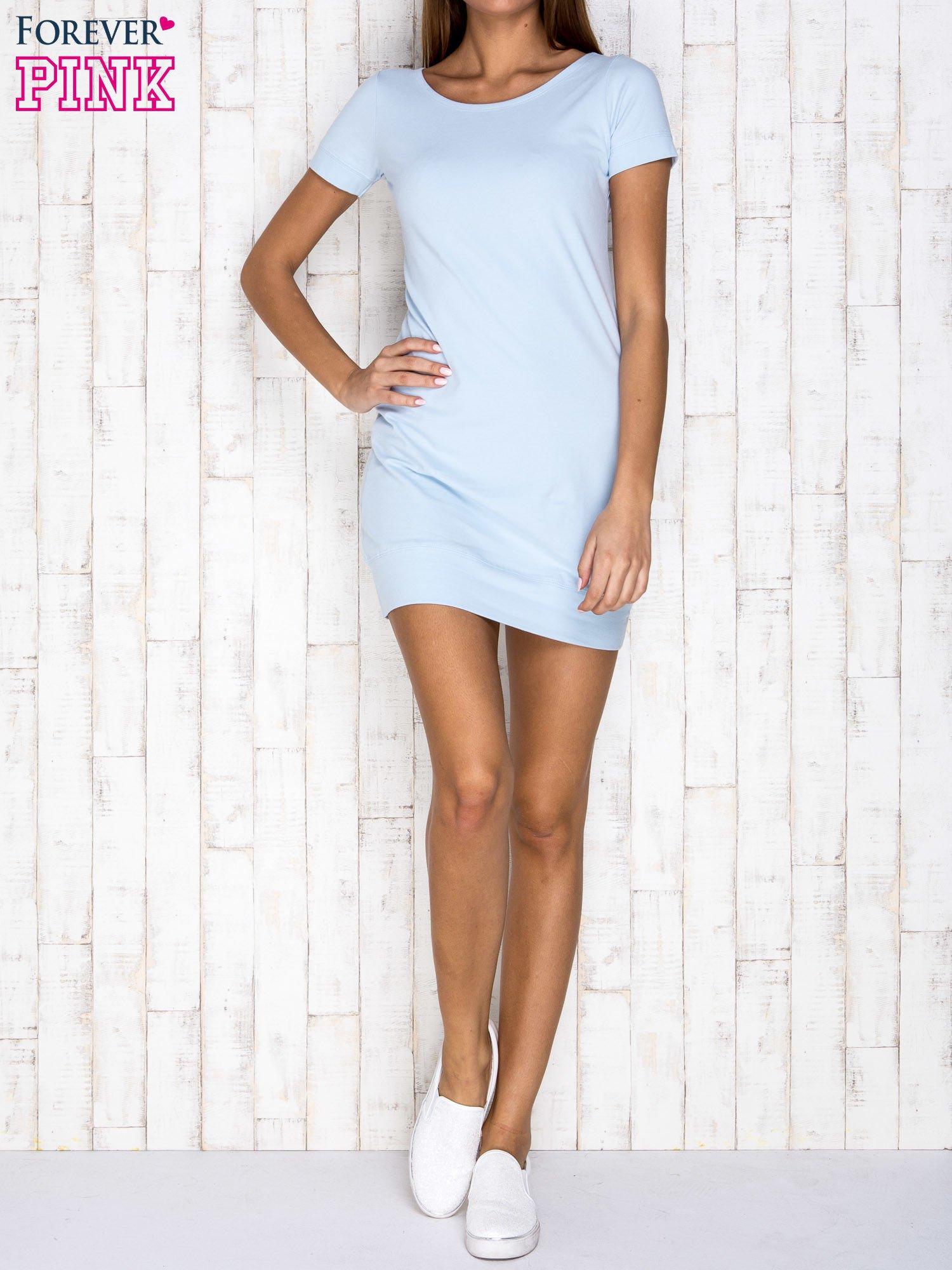 Jasnoniebieska gładka sukienka ze ściągaczem na dole                                  zdj.                                  2