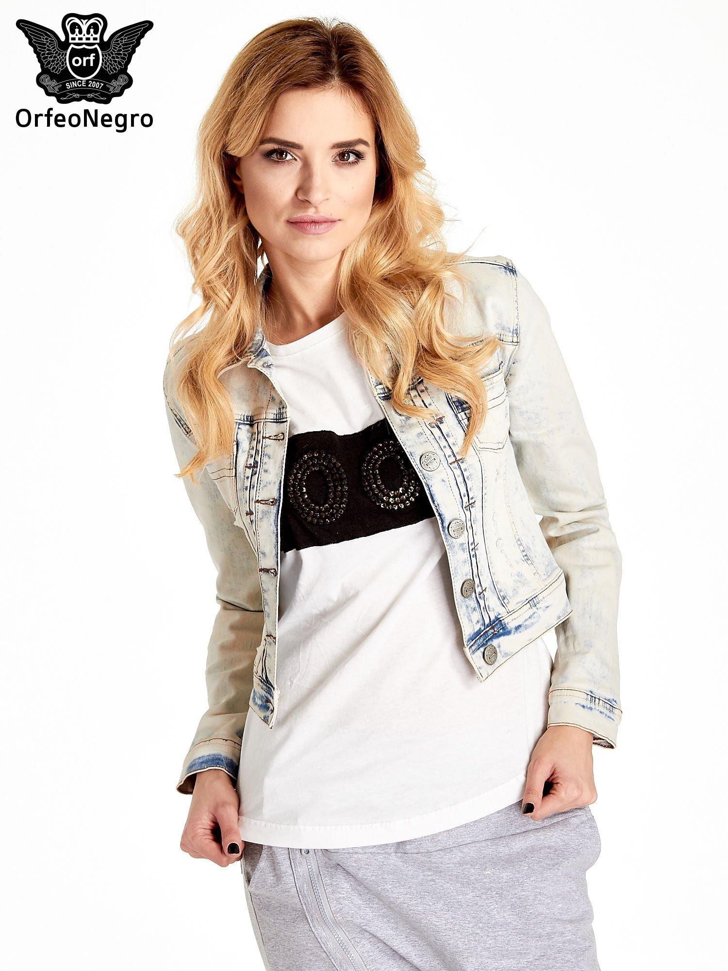 Jasnoniebieska kurtka jeansowa damska marmurkowa Jasnoniebieska kurtka jeansowa damska marmurkowa z kieszeniami                                  zdj.                                  1