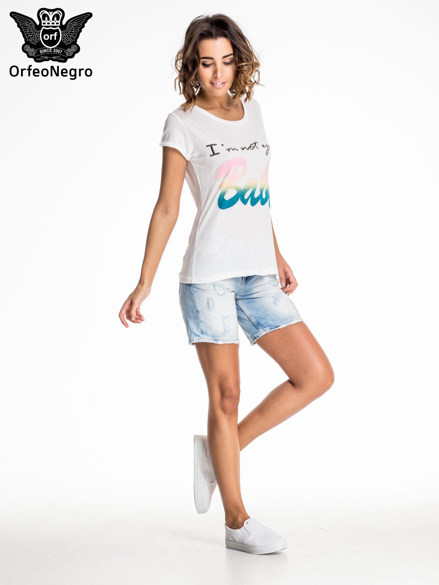 Jasnoniebieskie jeansowe szorty z dłuższą nogawką                                  zdj.                                  6