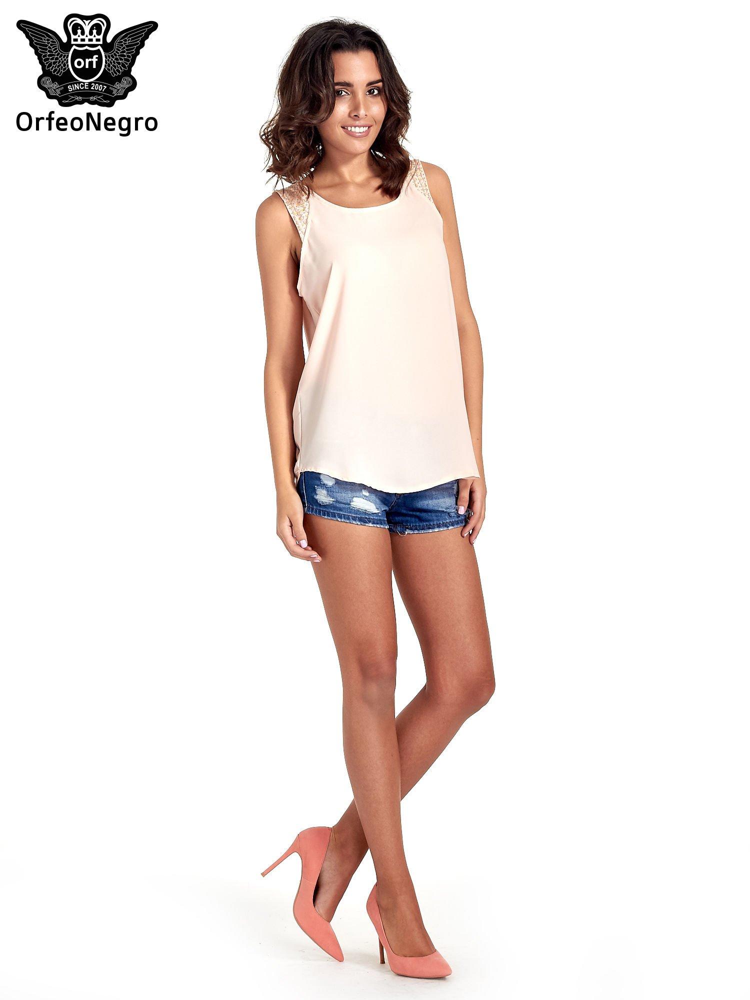 Jasnoróżowa bluzka koszulowa z koralikami przy ramionach                                  zdj.                                  7