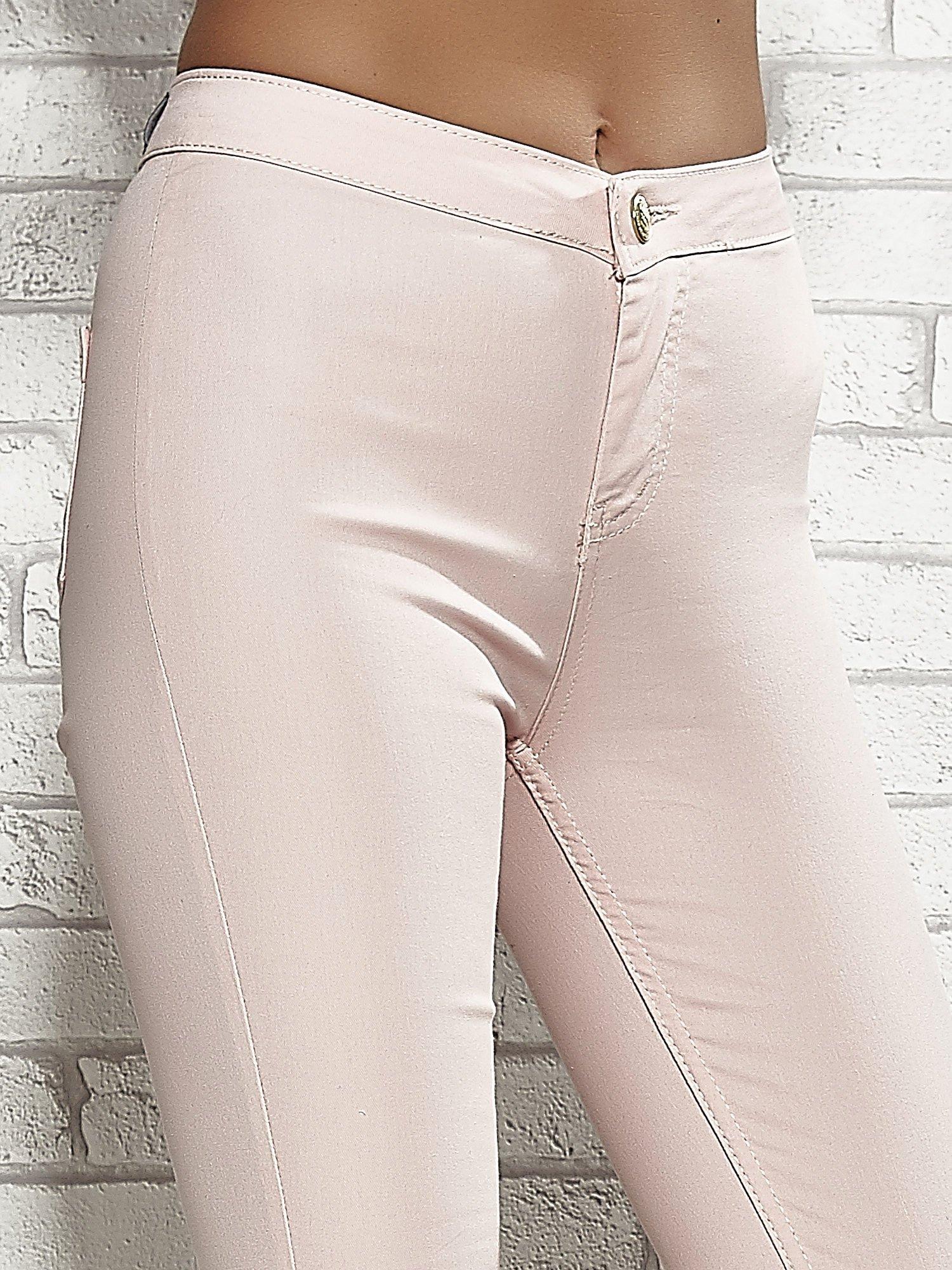 Jasnoróżowe spodnie rurki skinny                                  zdj.                                  5