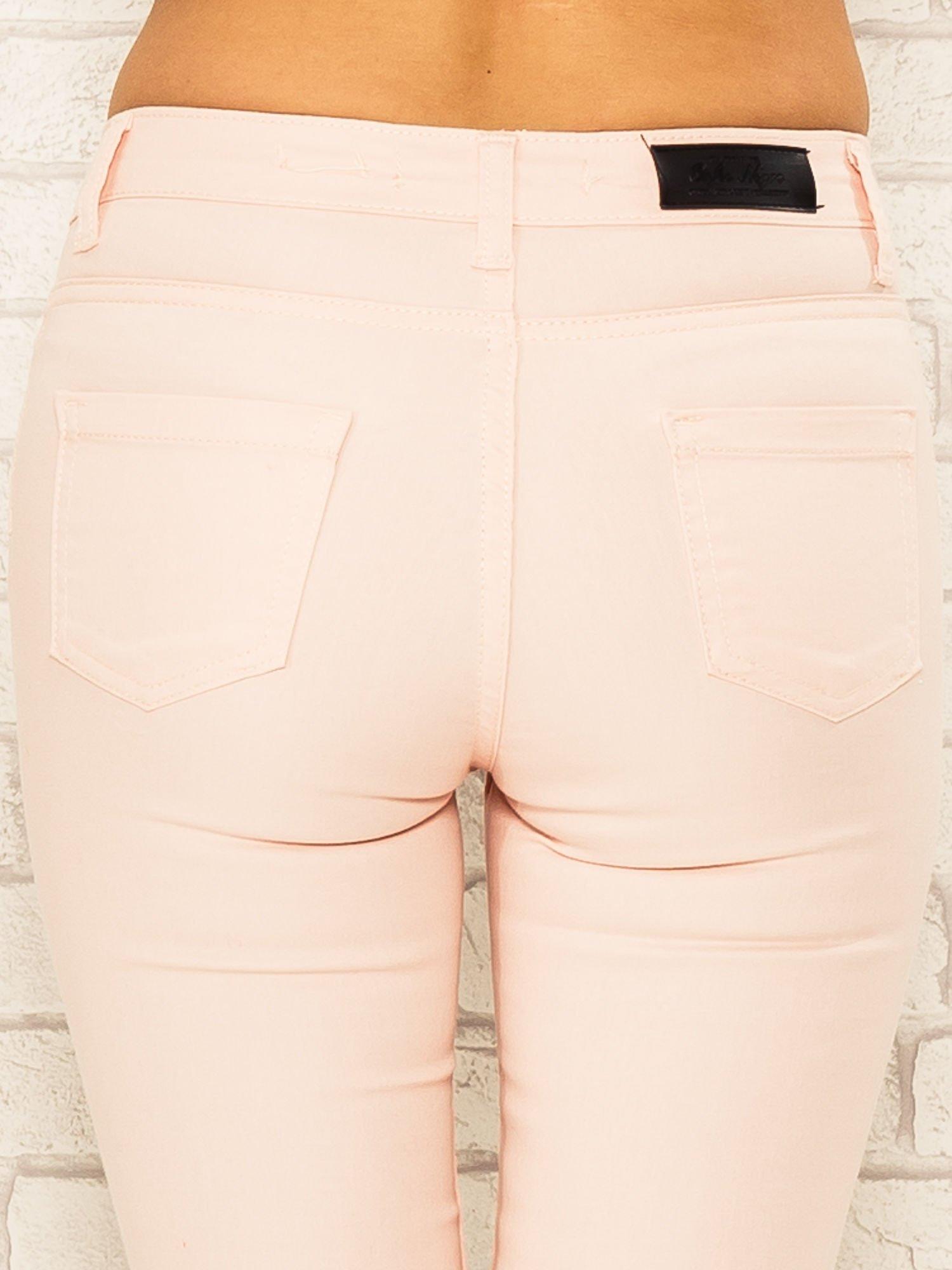 Jasnoróżowe spodnie rurki skinny z kieszeniami                                  zdj.                                  7