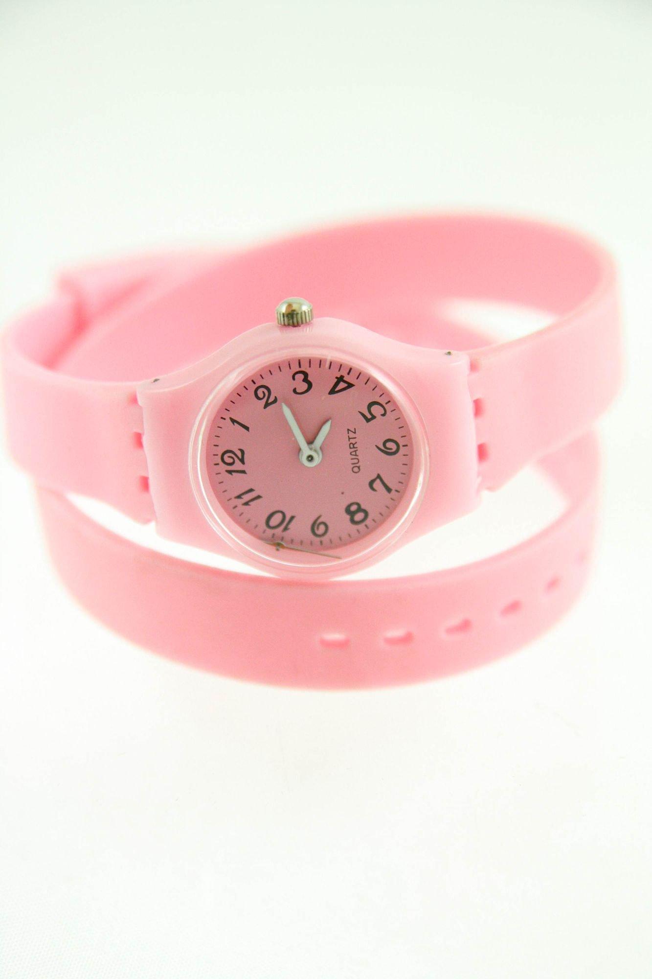 Jasnoróżowy zegarek damski na silikonowym pasku                                  zdj.                                  1