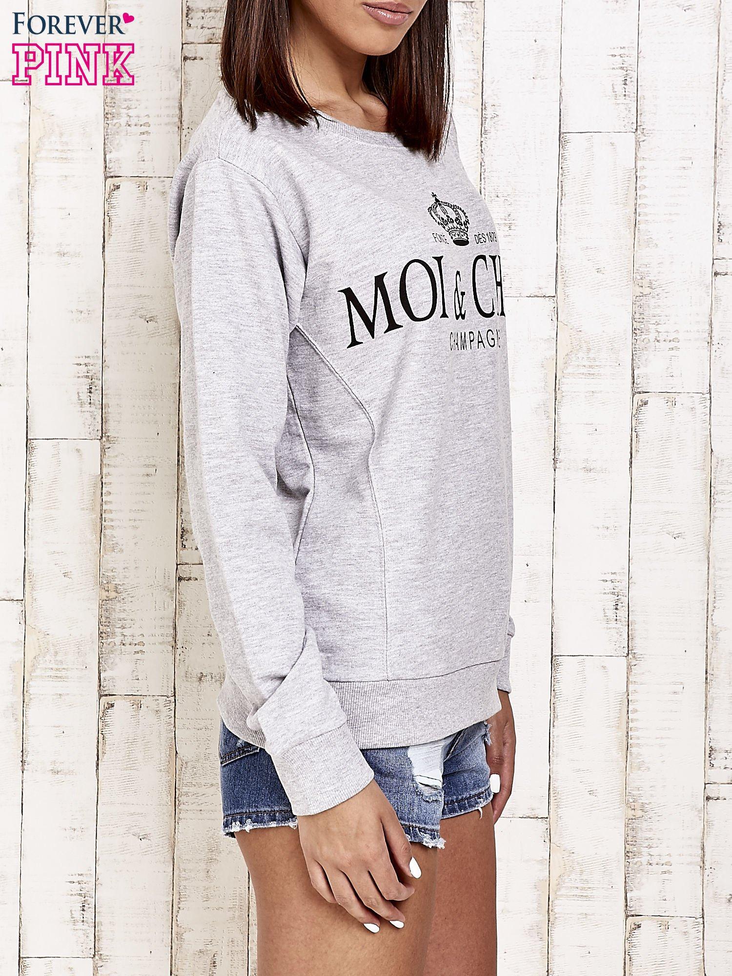 Jasnoszara bluza z napisem MOI & CHÉRI                                  zdj.                                  3