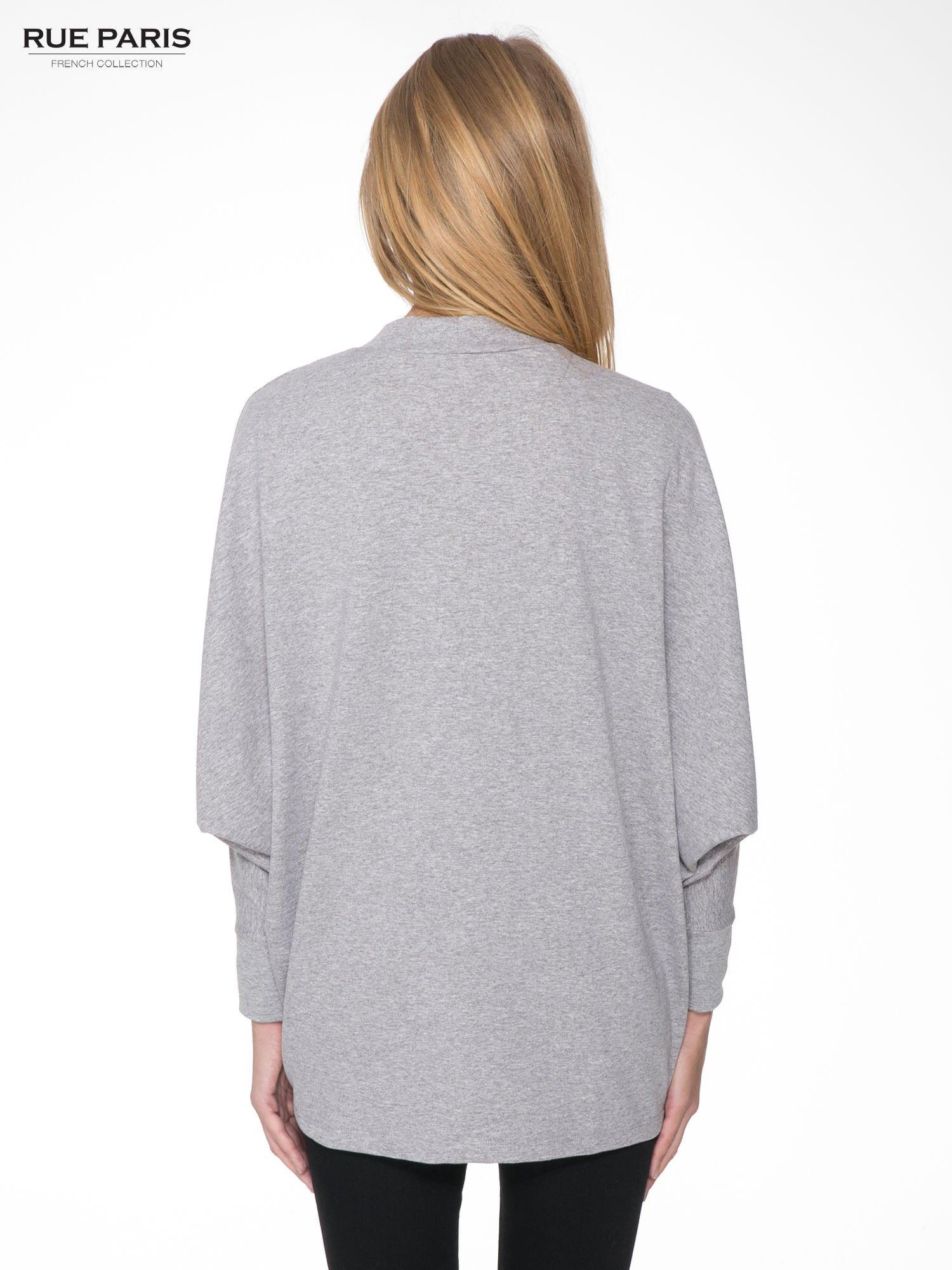 Jasnoszara dresowa otwarta bluza z nietoperzowymi rękawami                                  zdj.                                  4