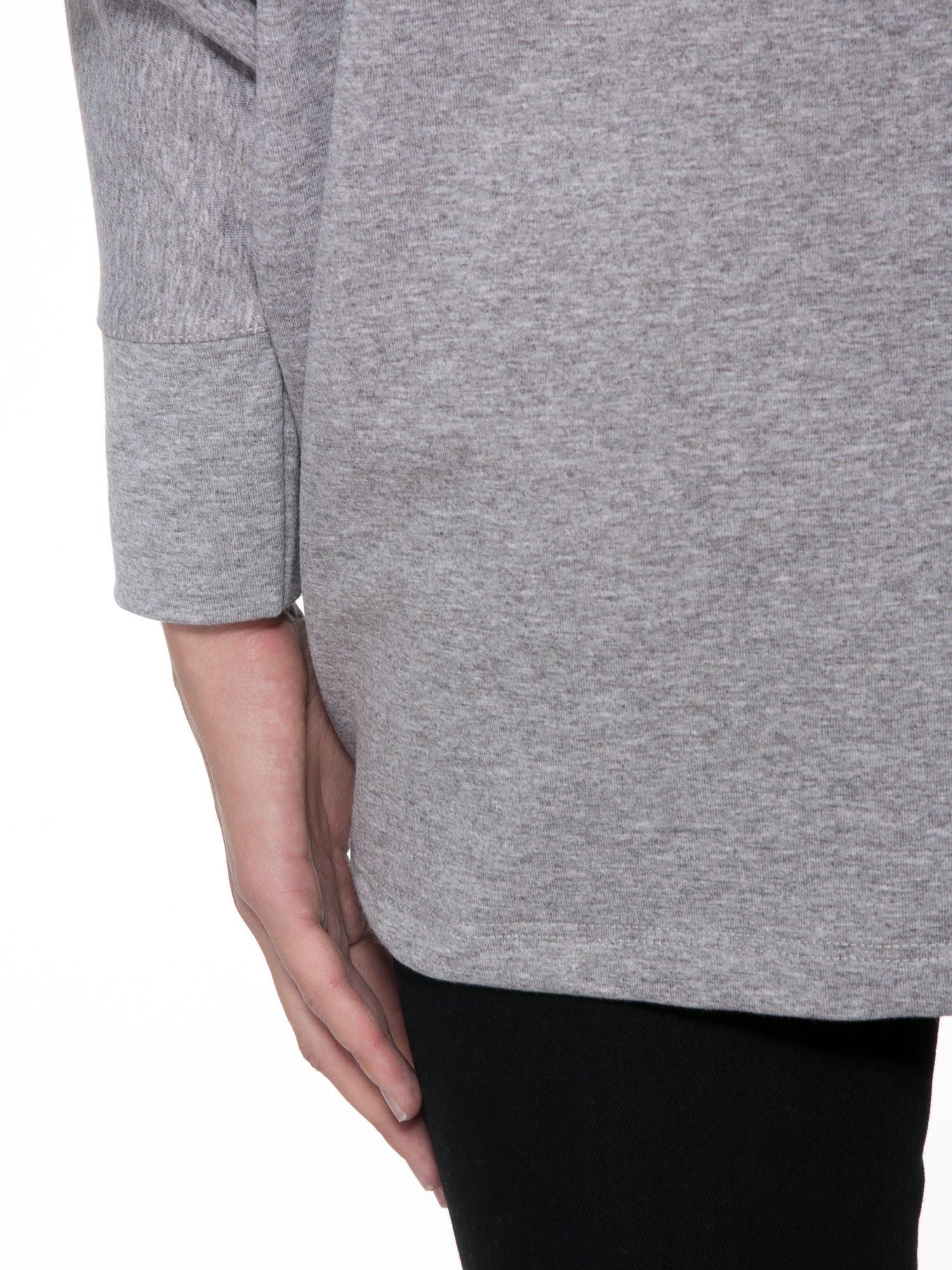 Jasnoszara dresowa otwarta bluza z nietoperzowymi rękawami                                  zdj.                                  8