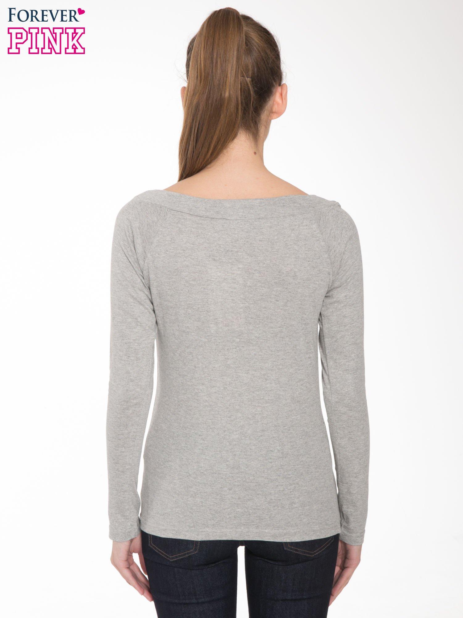 Jasnoszara melanżowa bluzka z reglanowymi rękawami                                  zdj.                                  4