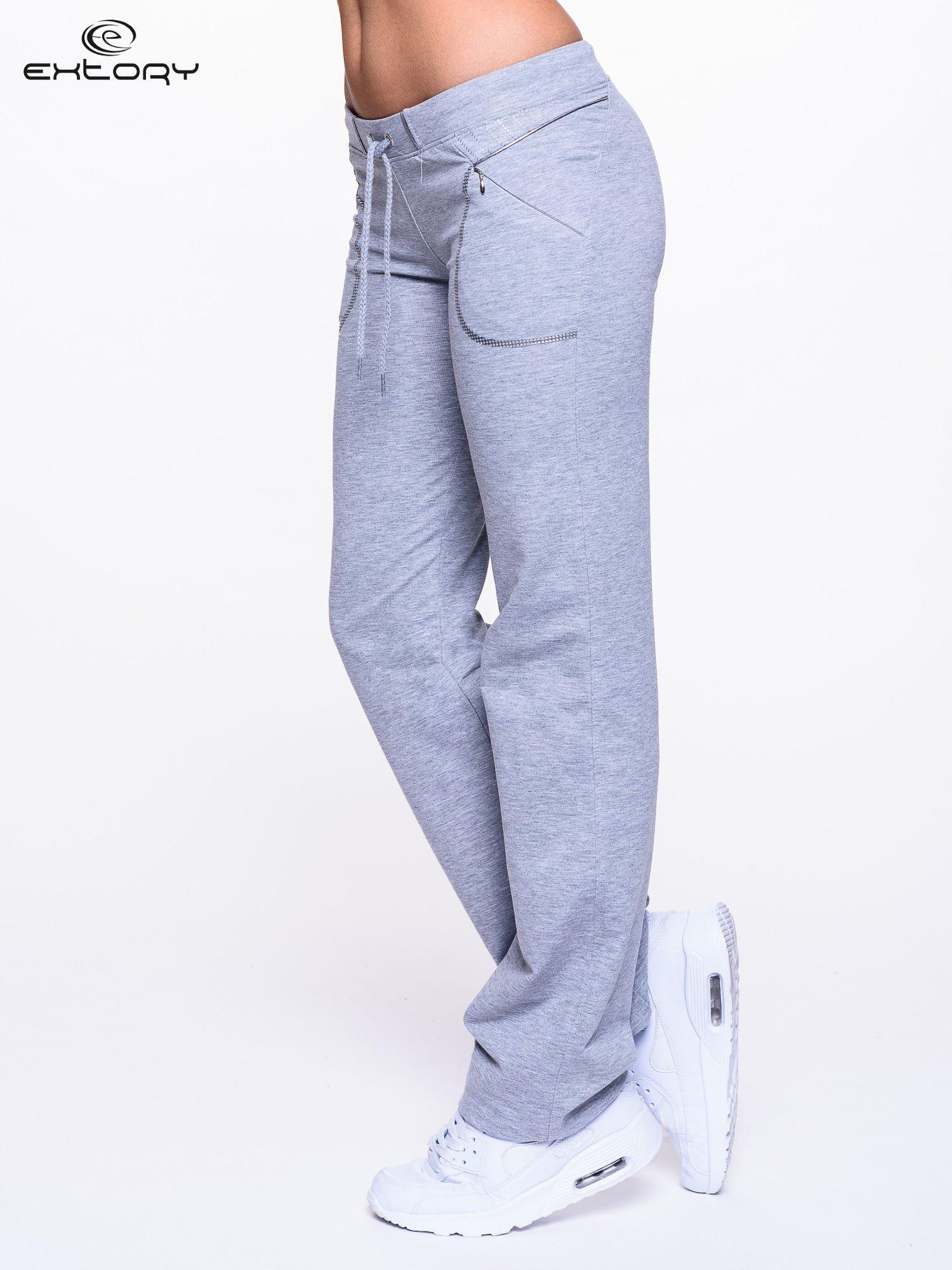 Jasnoszare spodnie dresowe z siateczką                                  zdj.                                  3