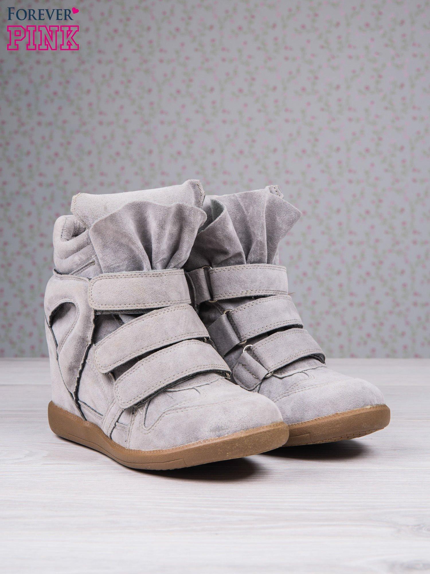 Jasnoszare zamszowe sneakersy na rzepy Tris                                  zdj.                                  3