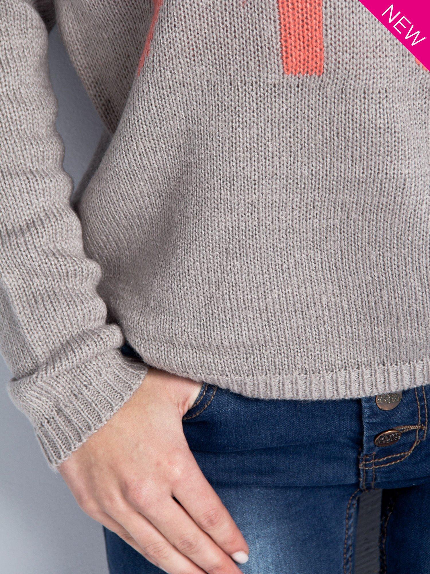 Jasnoszary sweter z sercem i nadrukiem YOU                                  zdj.                                  3
