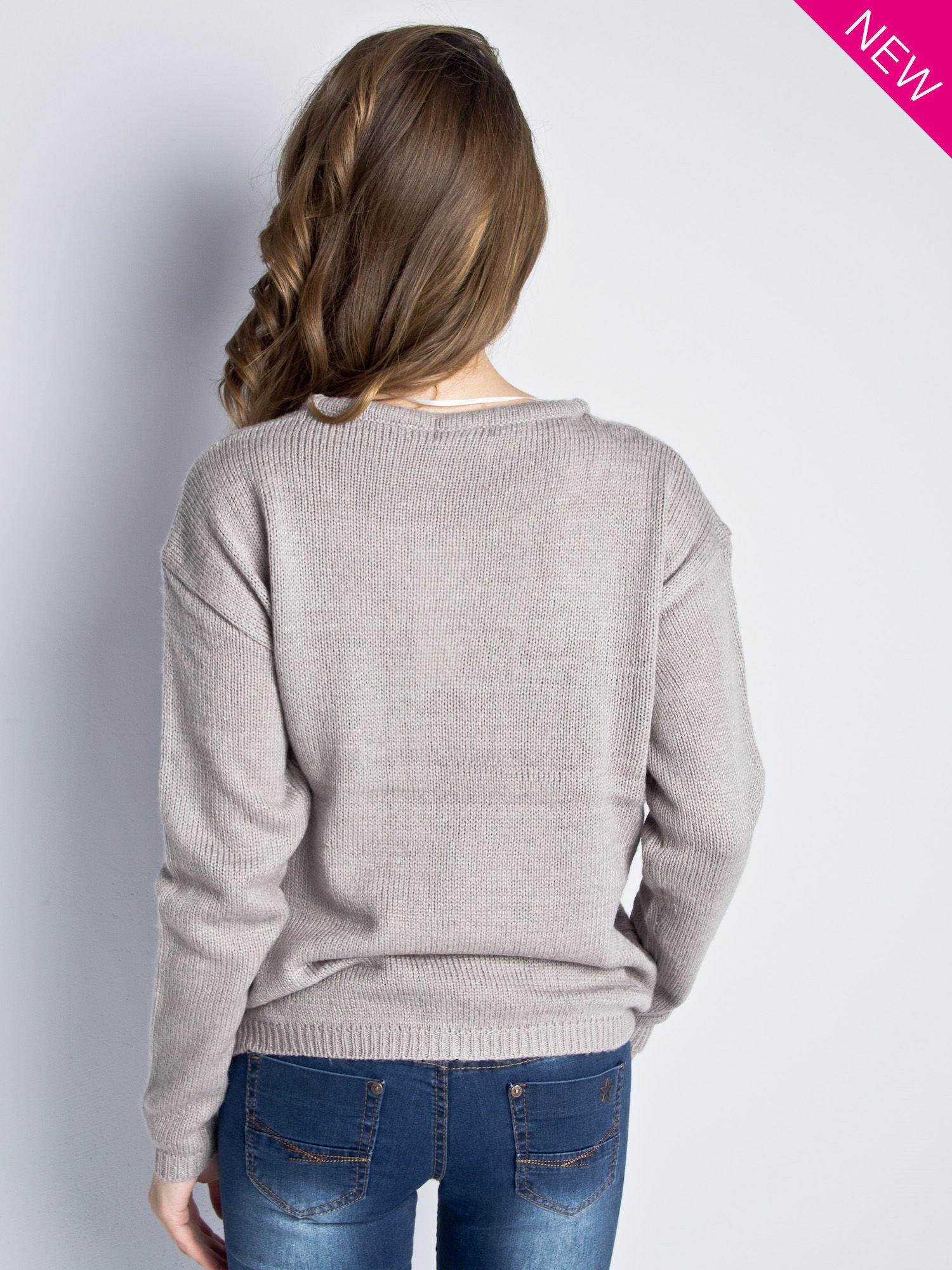 Jasnoszary sweter z sercem i nadrukiem YOU                                  zdj.                                  4