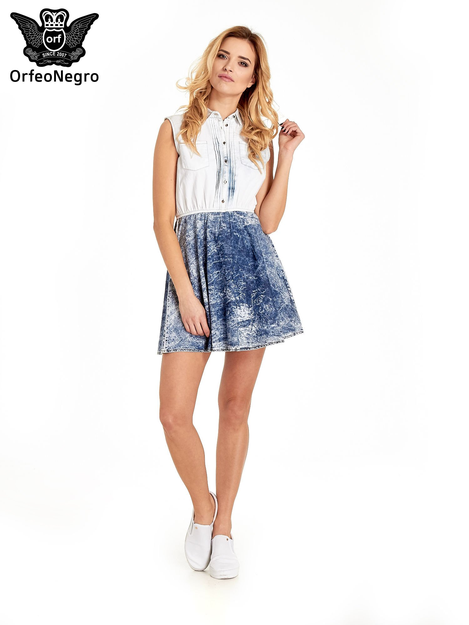 Jeansowa sukienka z efektem marmurkowym                                  zdj.                                  6