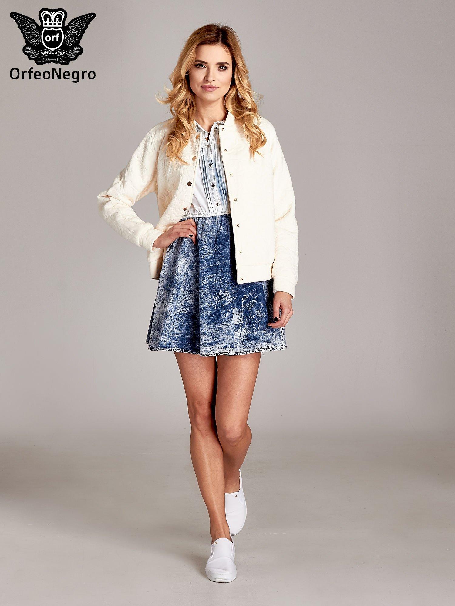 Jeansowa sukienka z efektem marmurkowym                                  zdj.                                  2