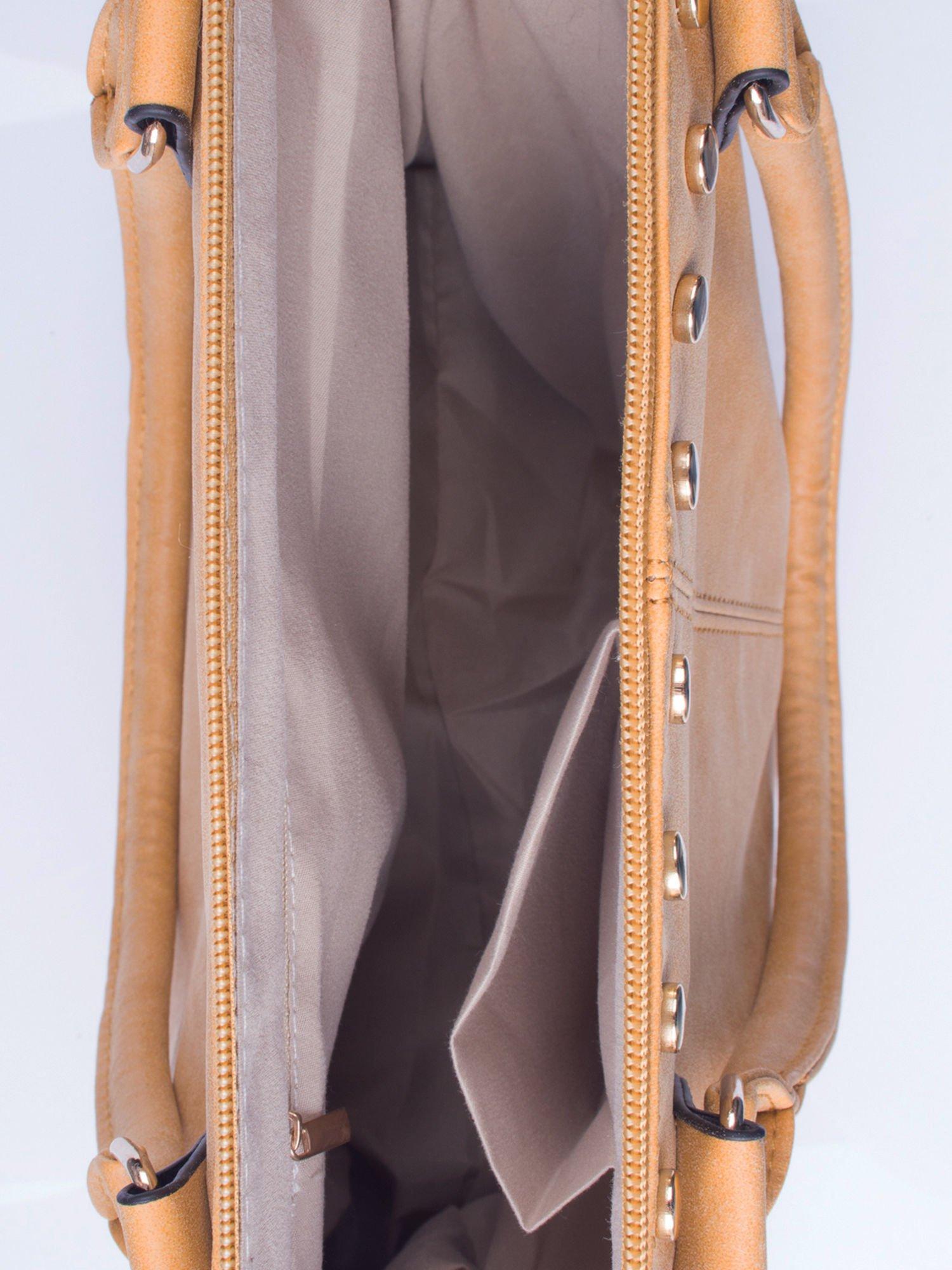 Karmelowa torba shopper bag ze złotymi ćwiekami                                  zdj.                                  4