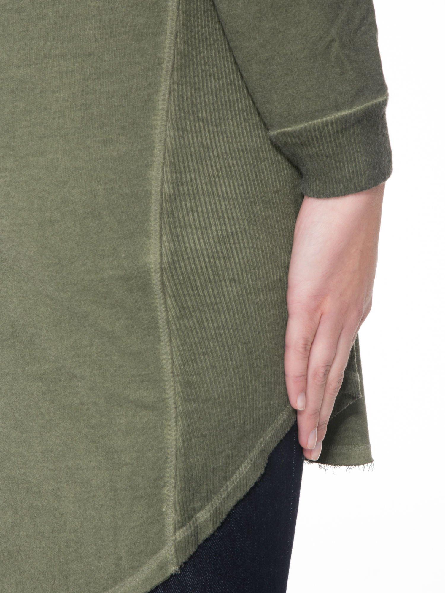Khaki dresowa sukienkotunika z zaokrąglonym dołem                                  zdj.                                  8