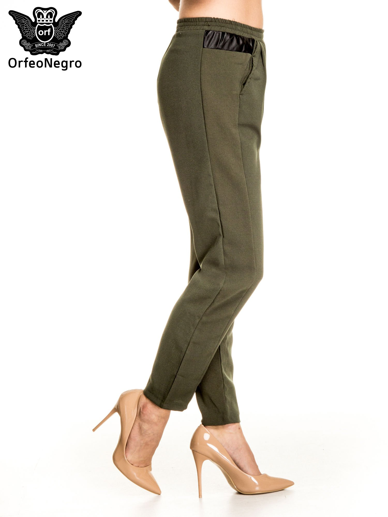 Khaki spodnie materiałowe ze skórzaną wstawką                                   zdj.                                  3