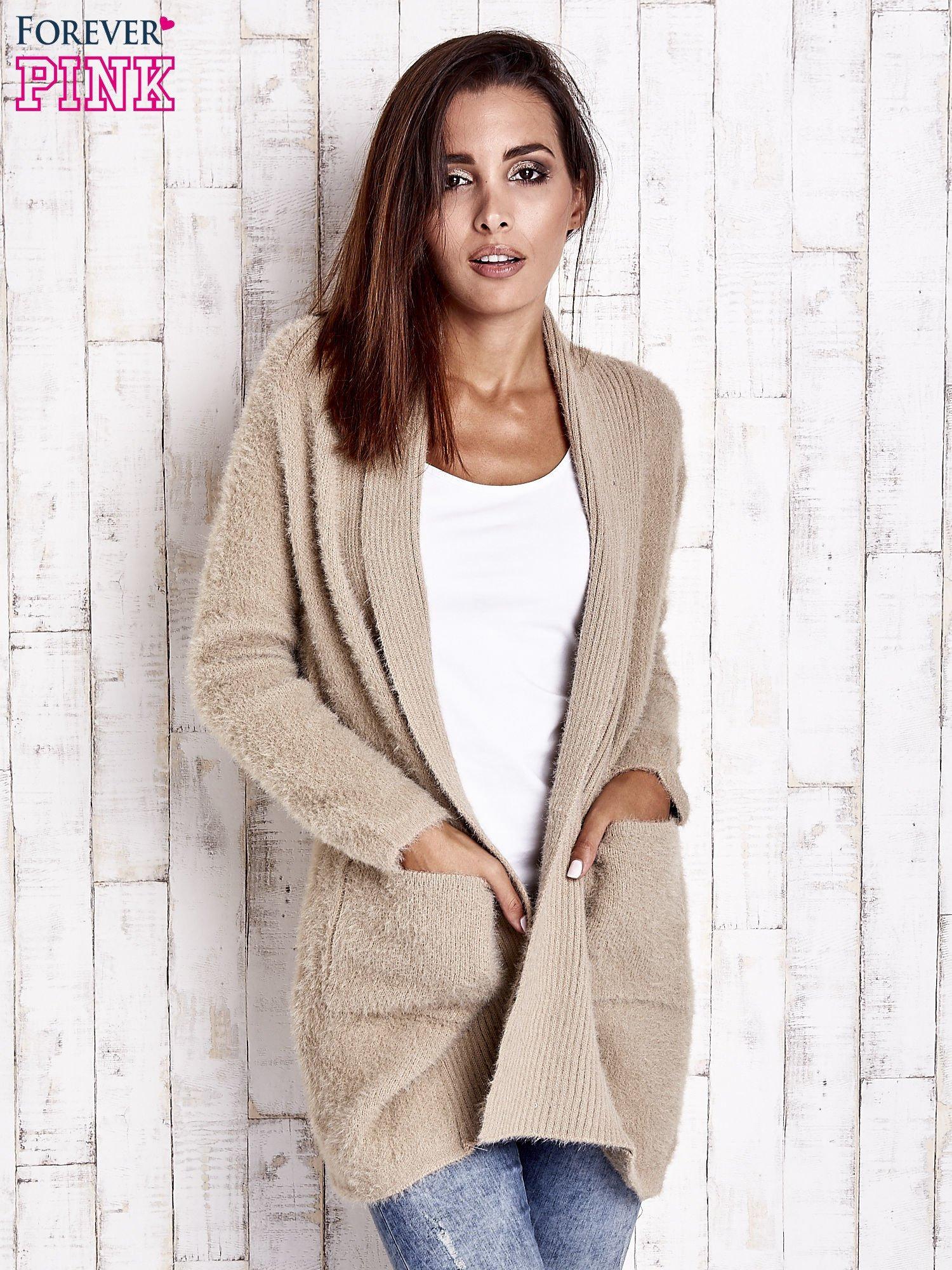 Khaki sweter oversize z kieszeniami                                  zdj.                                  7