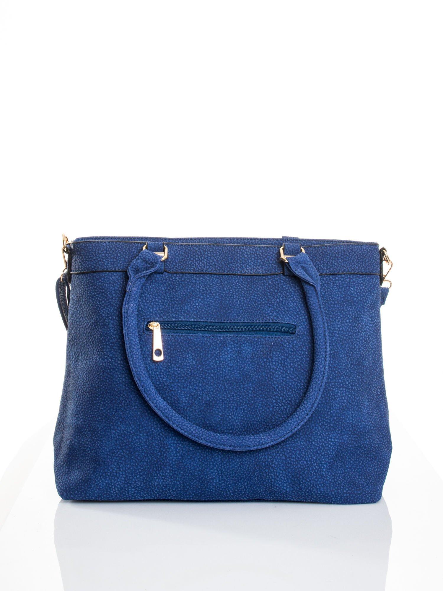 Kobaltowa torba na ramię ze złotymi okuciami                                  zdj.                                  2