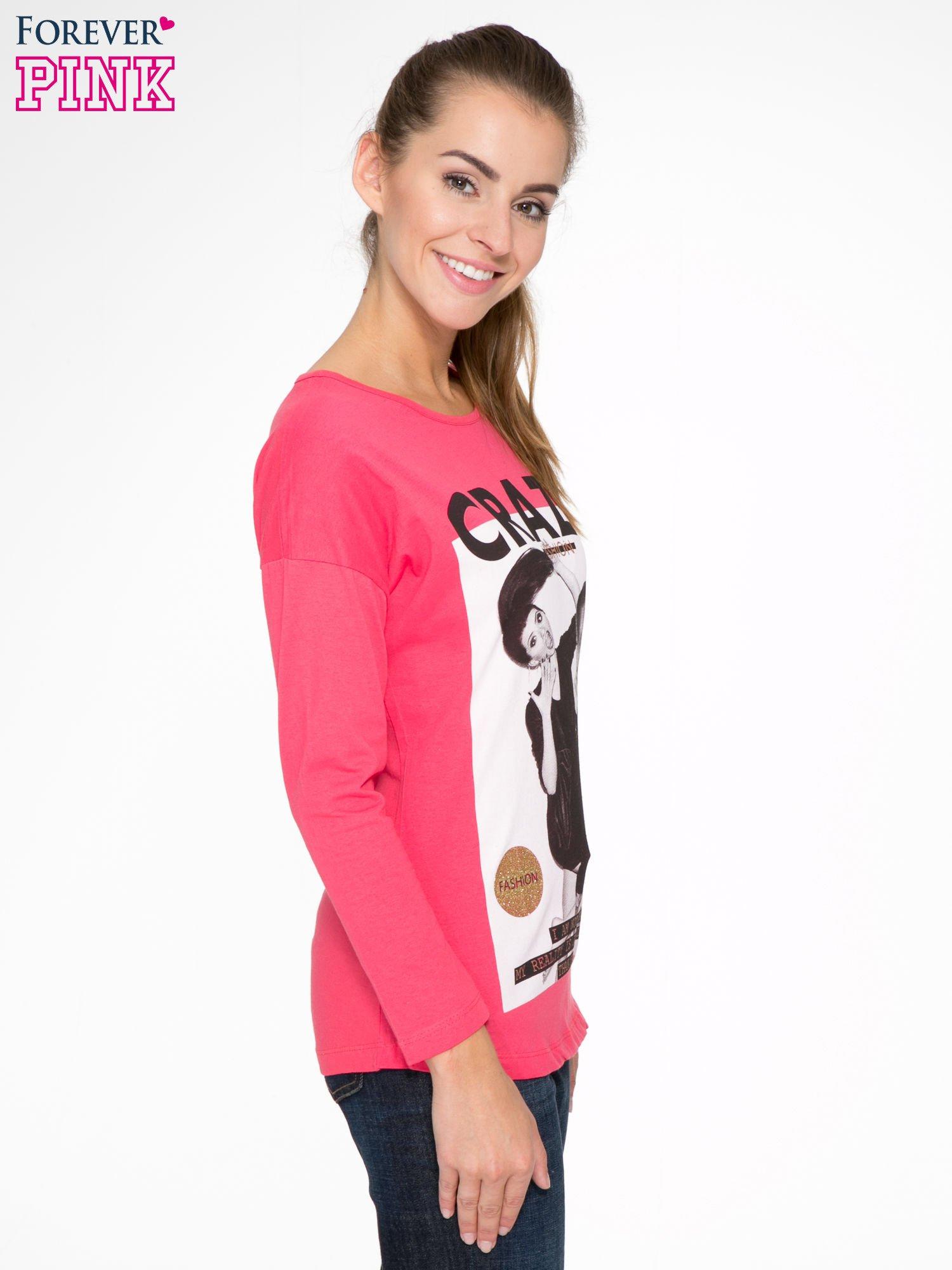 Koralowa bluzka z napisem CRAZY i nadrukiem fashionistek                                  zdj.                                  3
