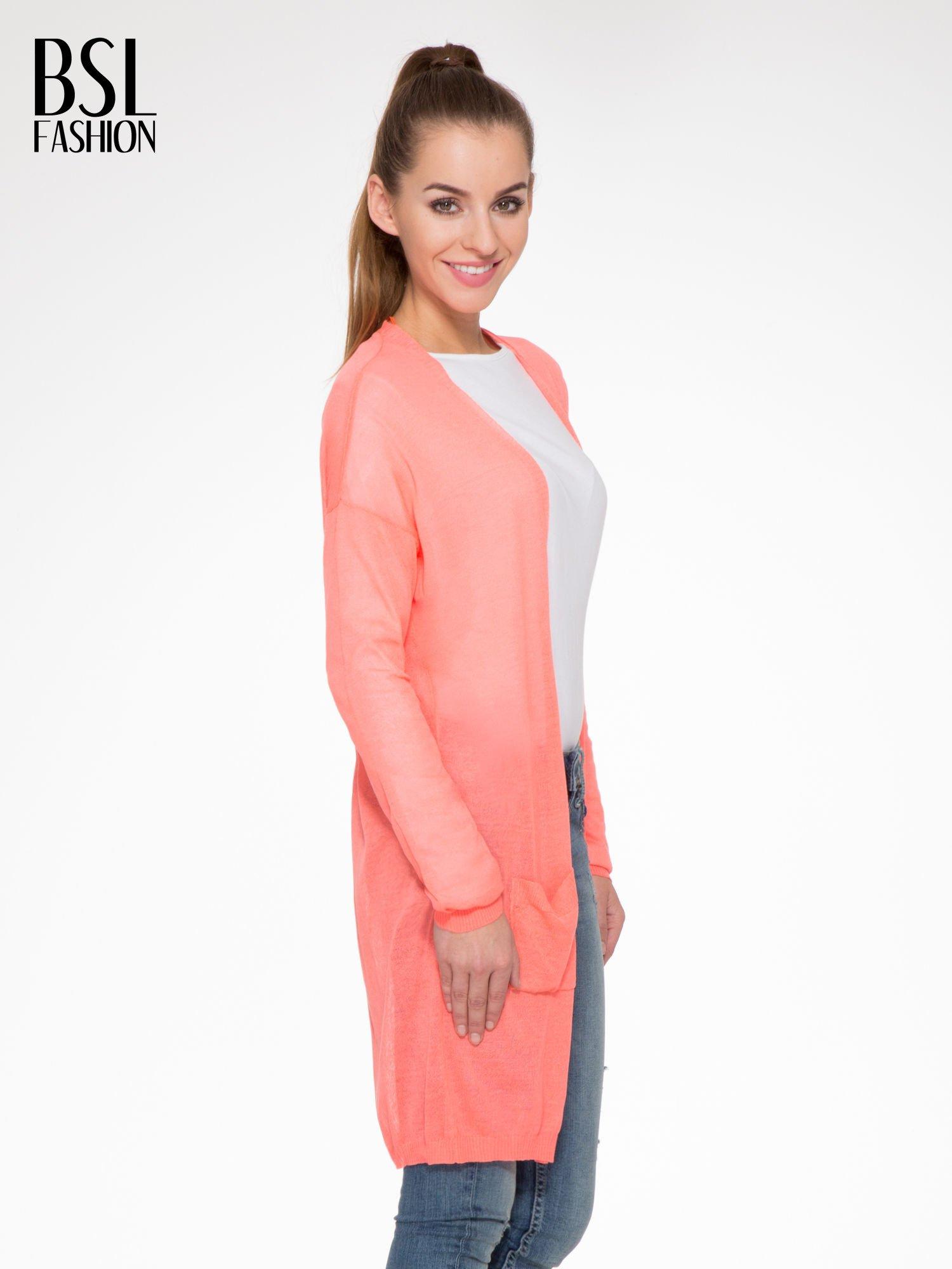 Koralowy długi sweter typu kardigan z kieszonkami                                  zdj.                                  3