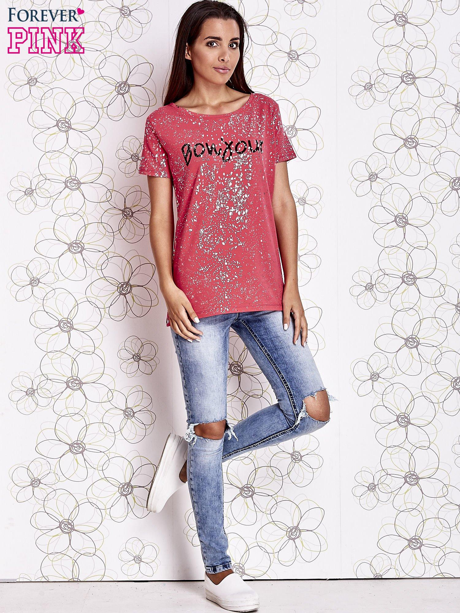 Koralowy t-shirt z napisem BONJOUR                                  zdj.                                  4