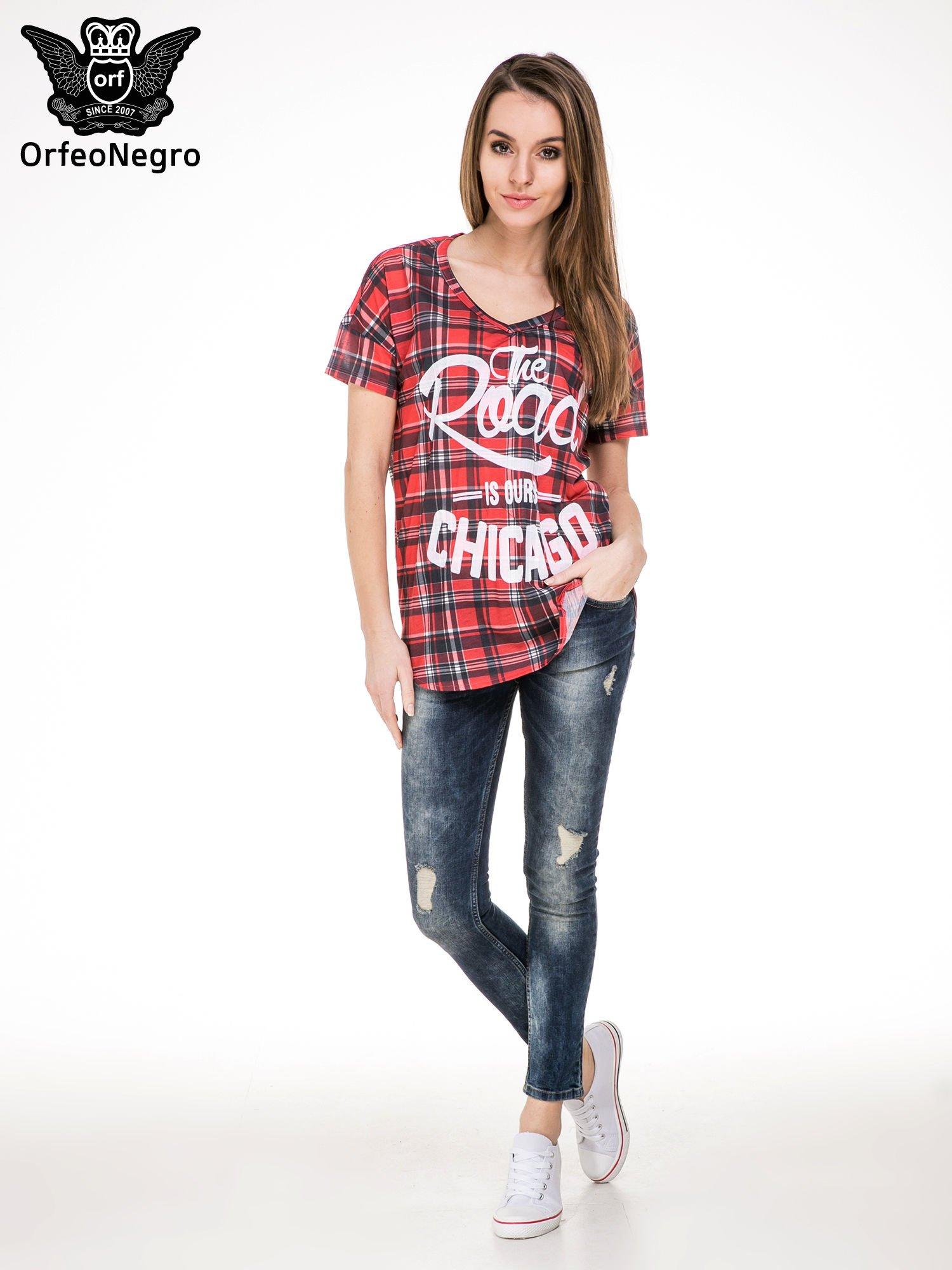 Kraciasty t-shirt z napisem THE ROAD IS OURS CHICACO                                  zdj.                                  2