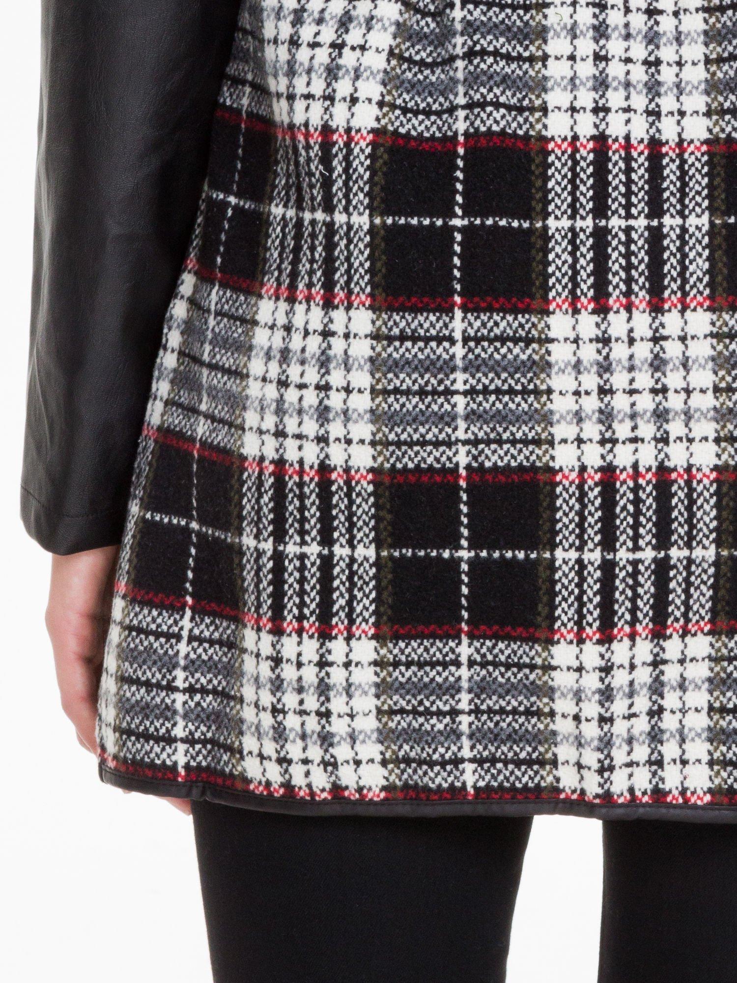 Kraciasty wełniany płaszcz ze skórzanymi rękawami                                  zdj.                                  7