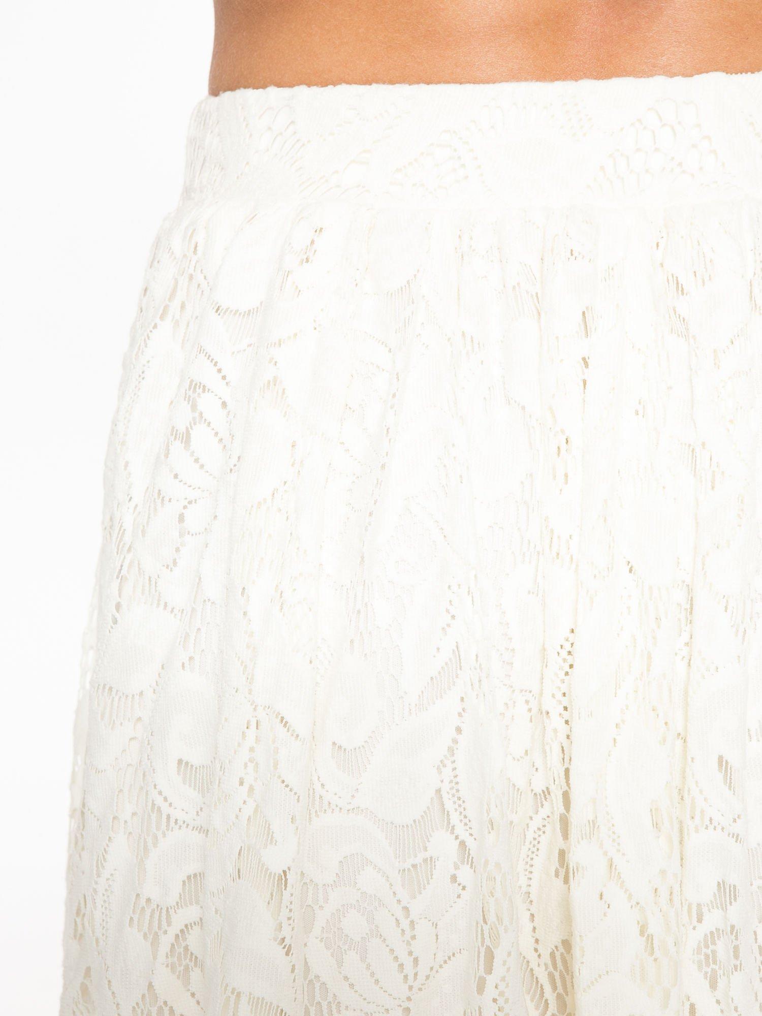 Kremowa koronkowa mini spódniczka na gumkę                                  zdj.                                  5