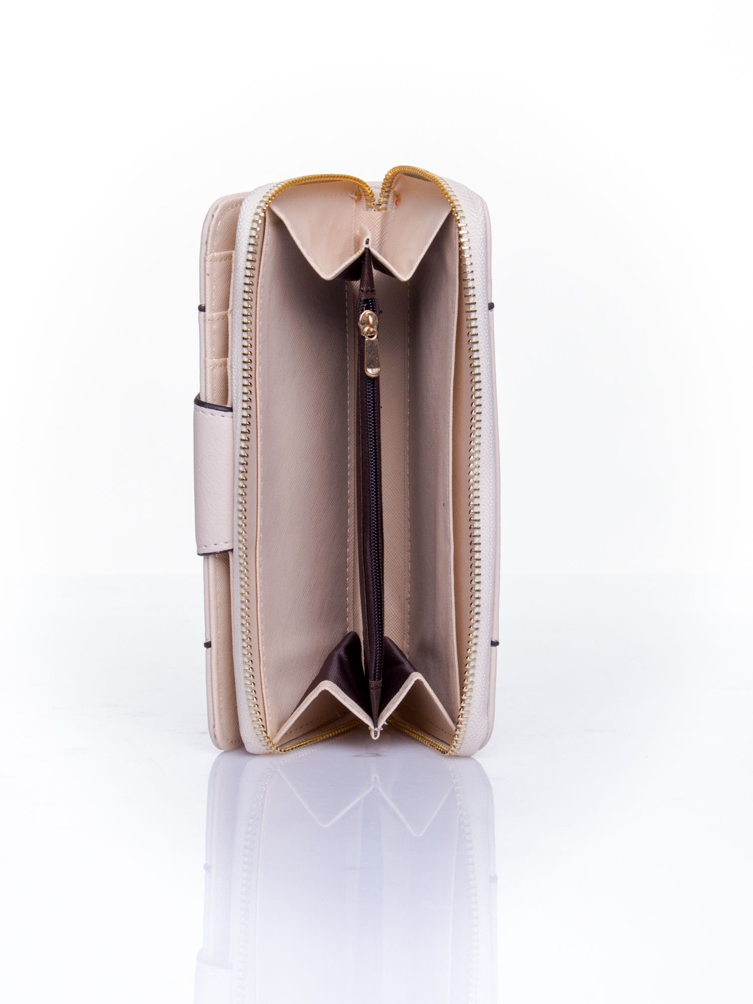 Kremowy portfel ze złoconą klamrą                                  zdj.                                  5