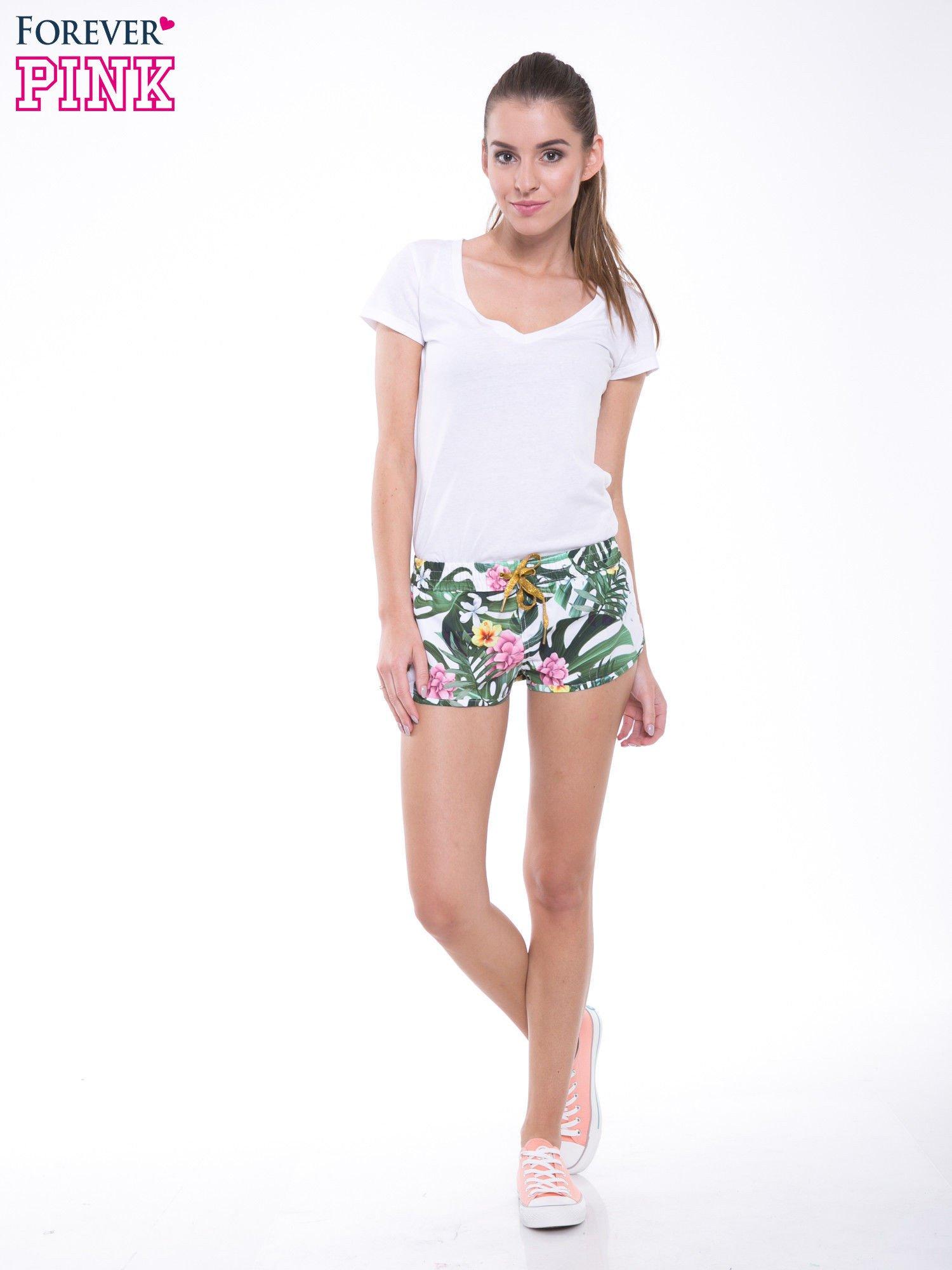 Kwiatowe szorty plażowe wiązane w pasie                                  zdj.                                  5