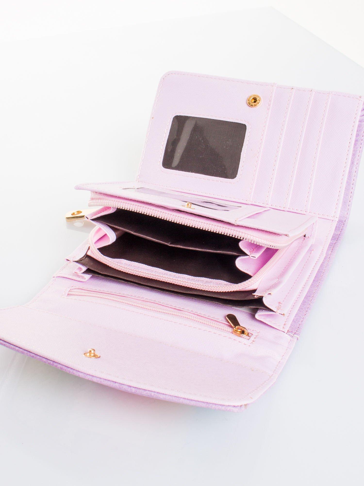 Liliowy portfel z plecionką                                  zdj.                                  4