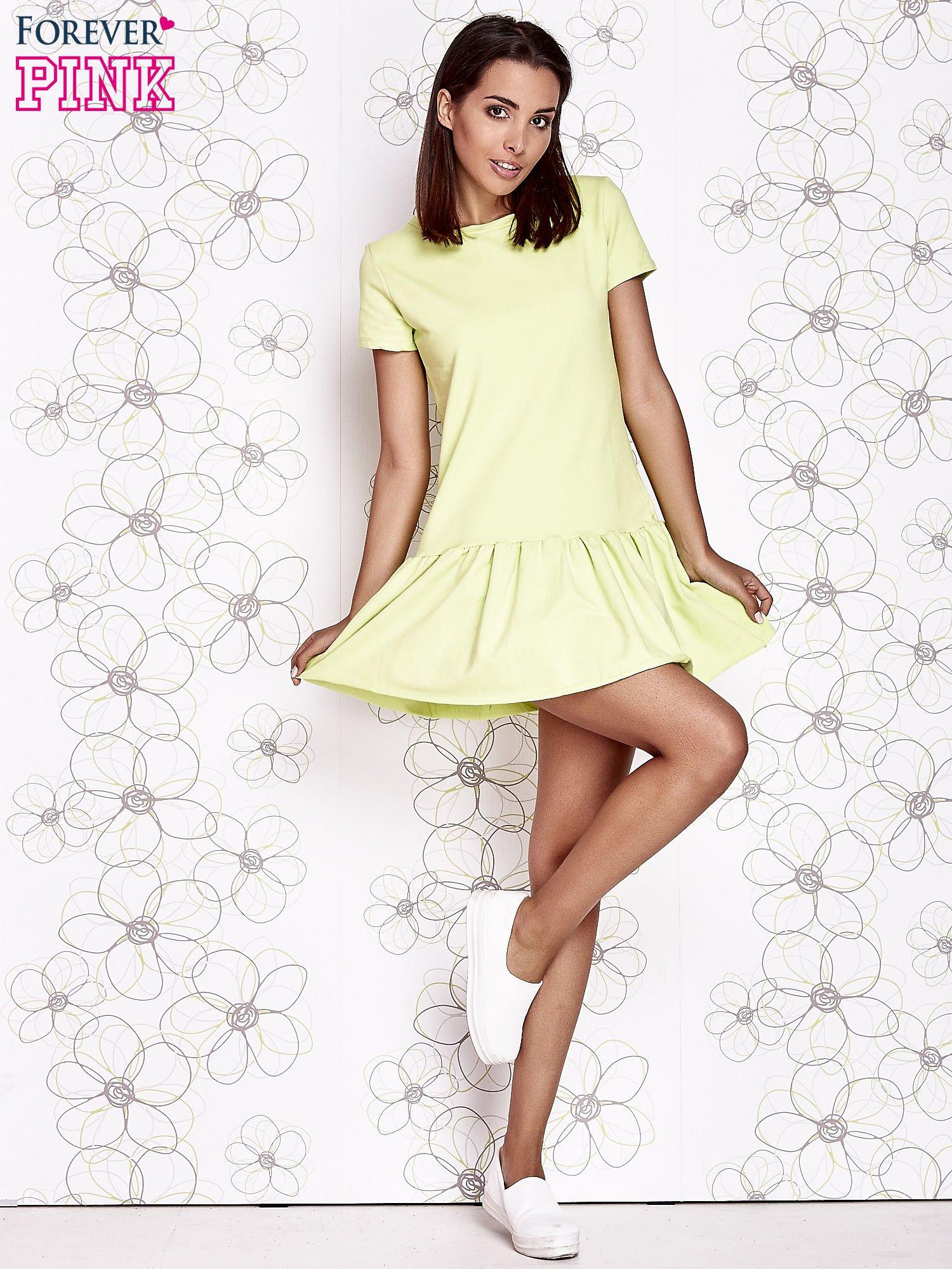 Limonkowa dresowa sukienka z wycięciem na plecach                                   zdj.                                  2